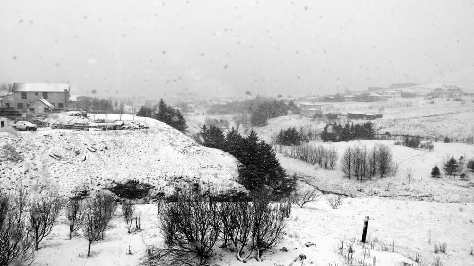 Snowy morning in Vík