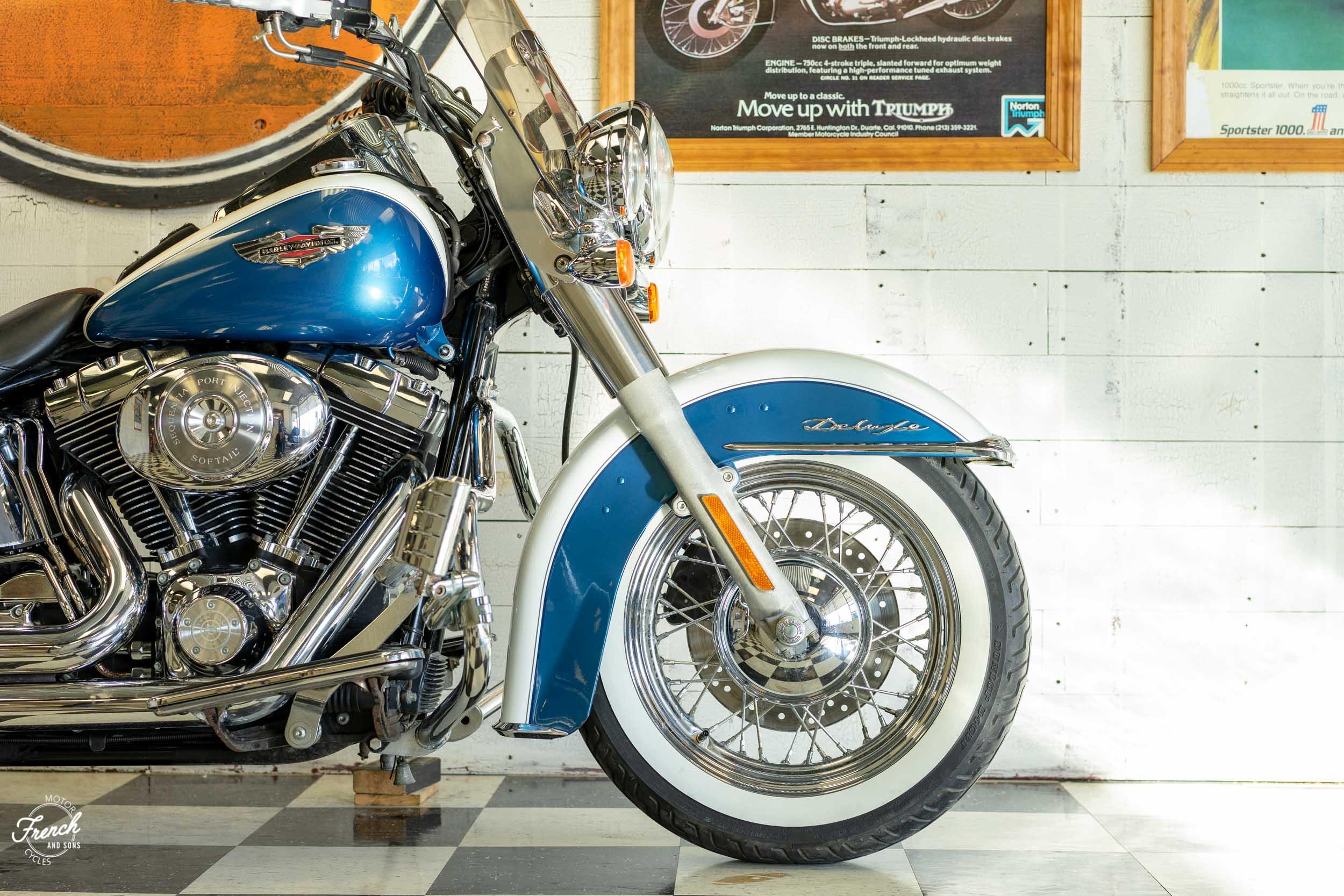 2005_Harley_Davidson_Softail_Deluxe-5.jpg
