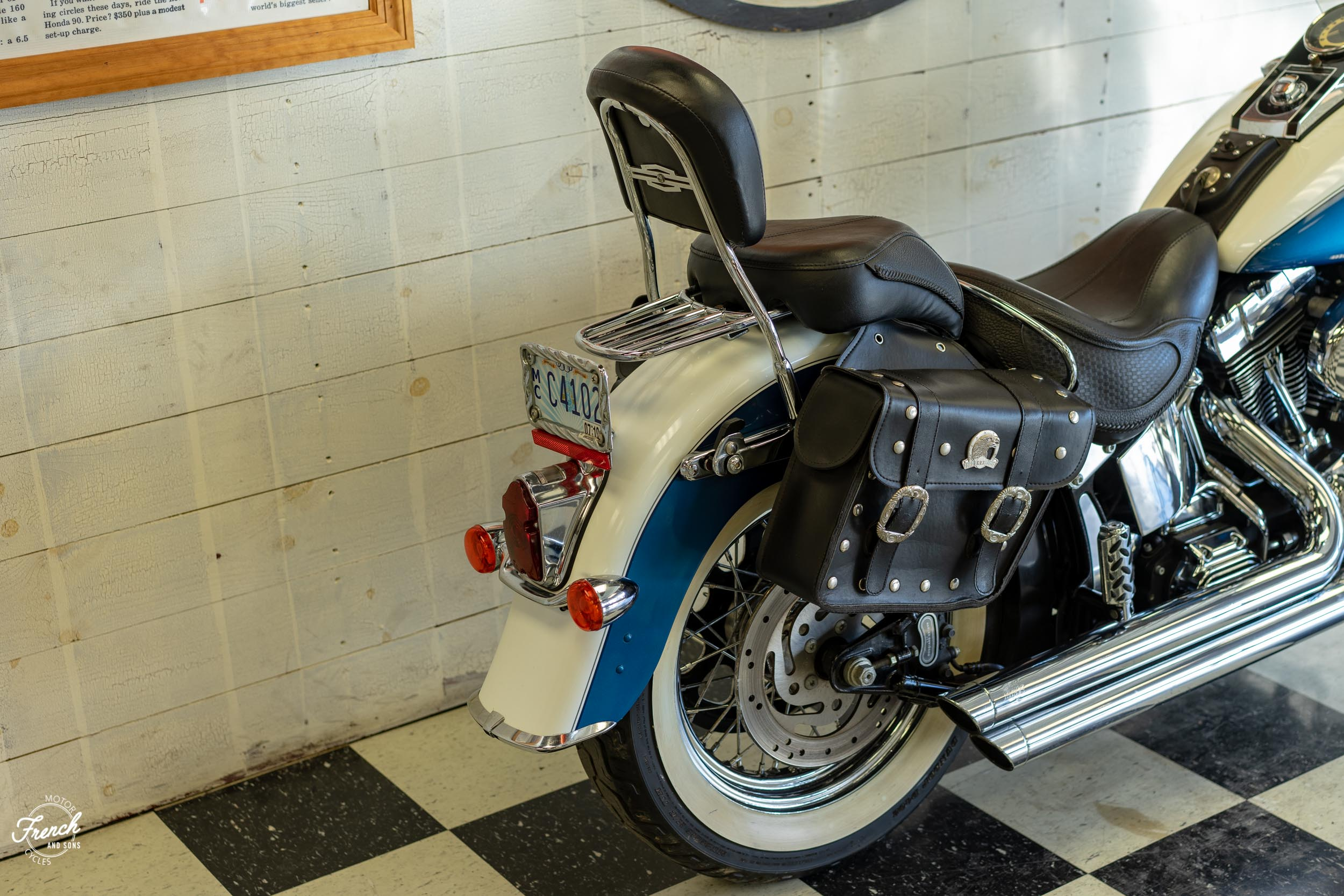 2005_Harley_Davidson_Softail_Deluxe-8.jpg