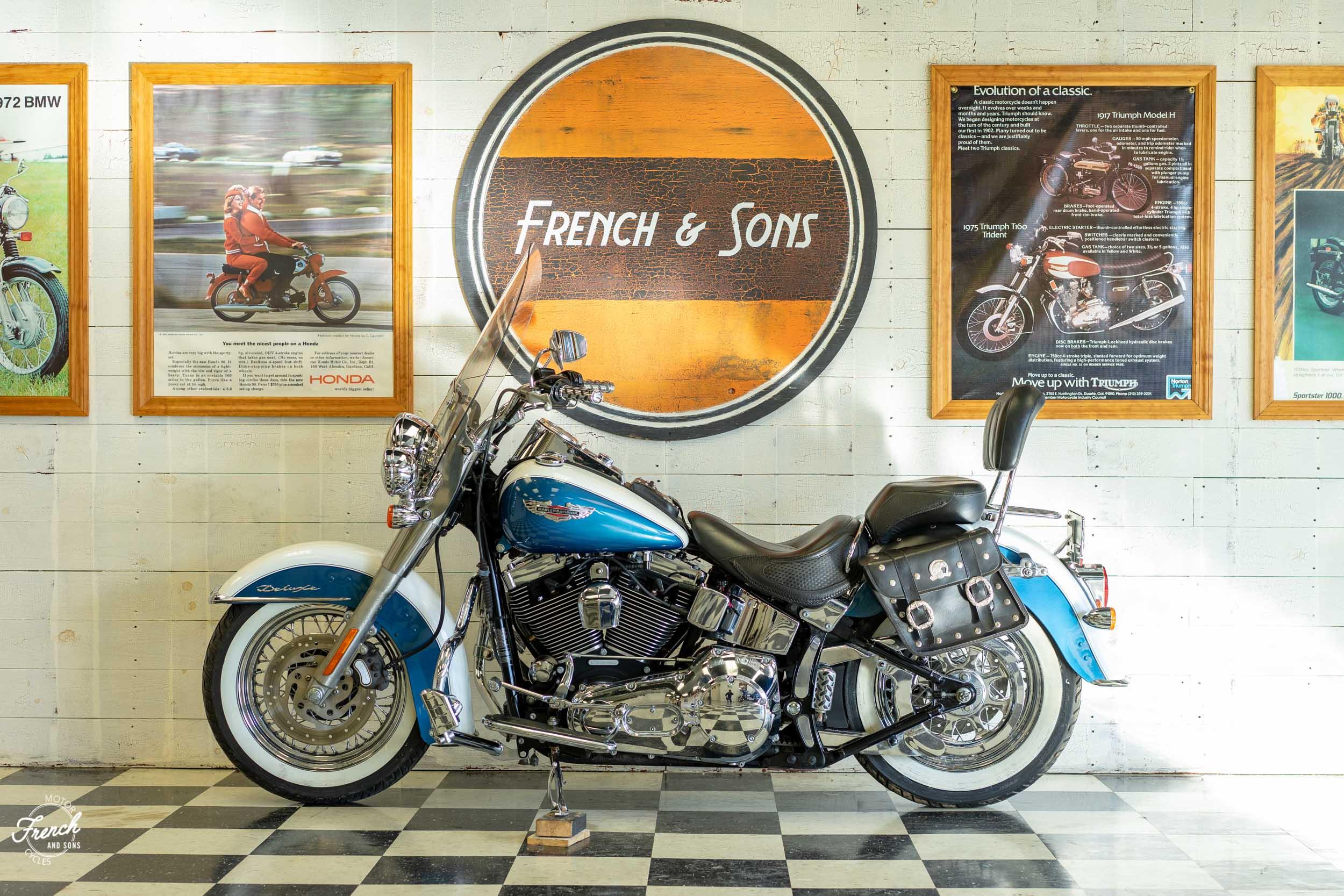 2005_Harley_Davidson_Softail_Deluxe-14.jpg