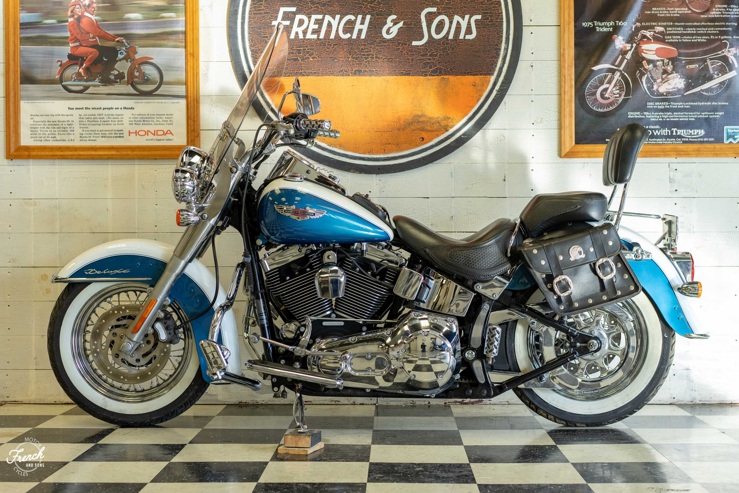 2005_Harley_Davidson_Softail_Deluxe-15.jpg