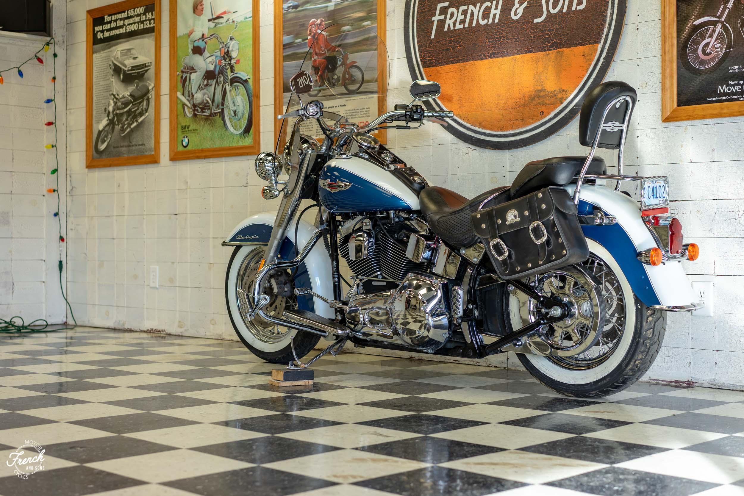2005_Harley_Davidson_Softail_Deluxe-19.jpg