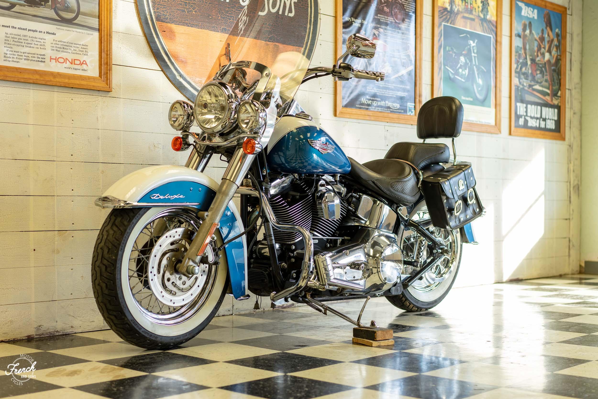 2005_Harley_Davidson_Softail_Deluxe-20.jpg