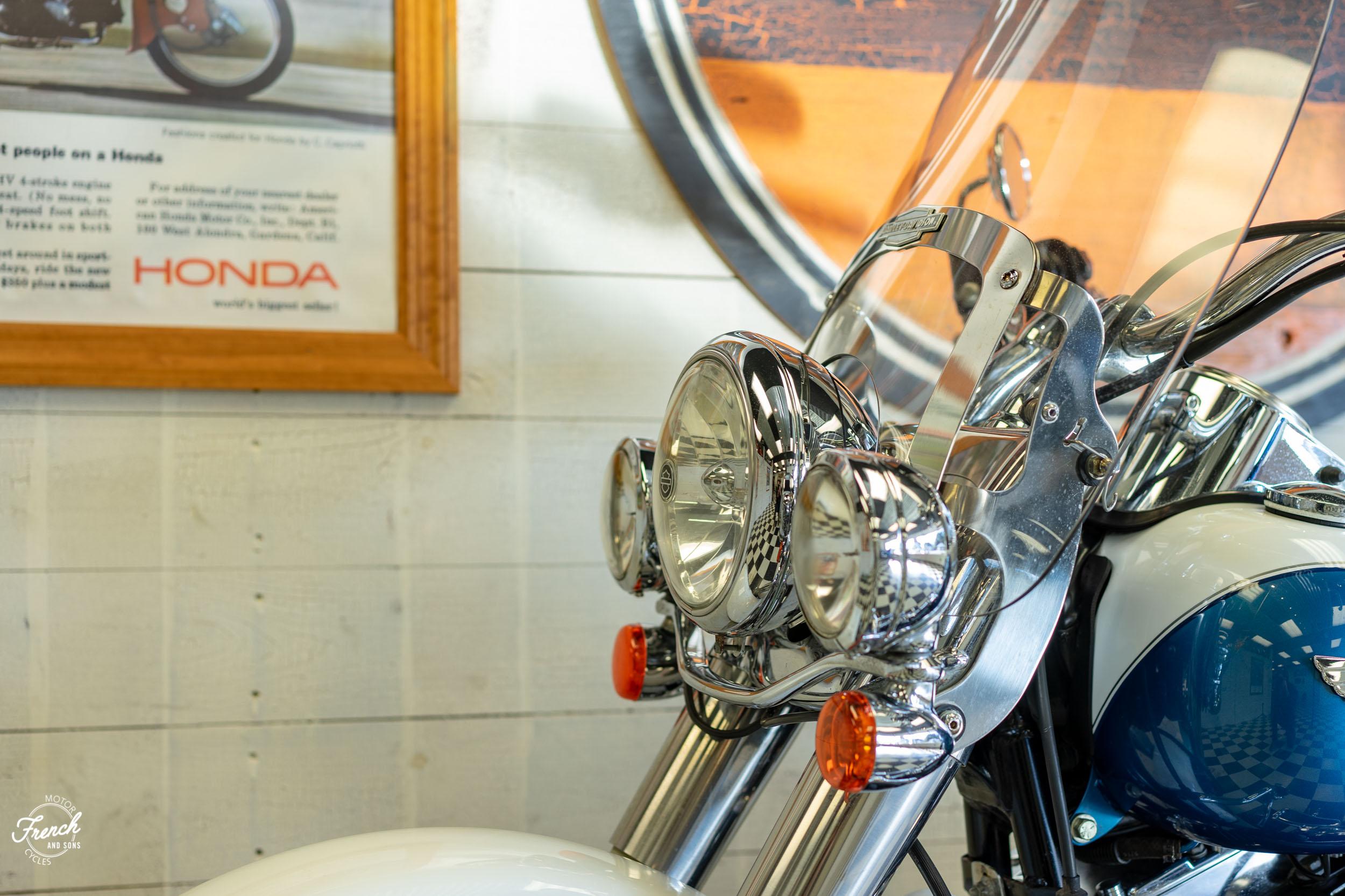 2005_Harley_Davidson_Softail_Deluxe-22.jpg