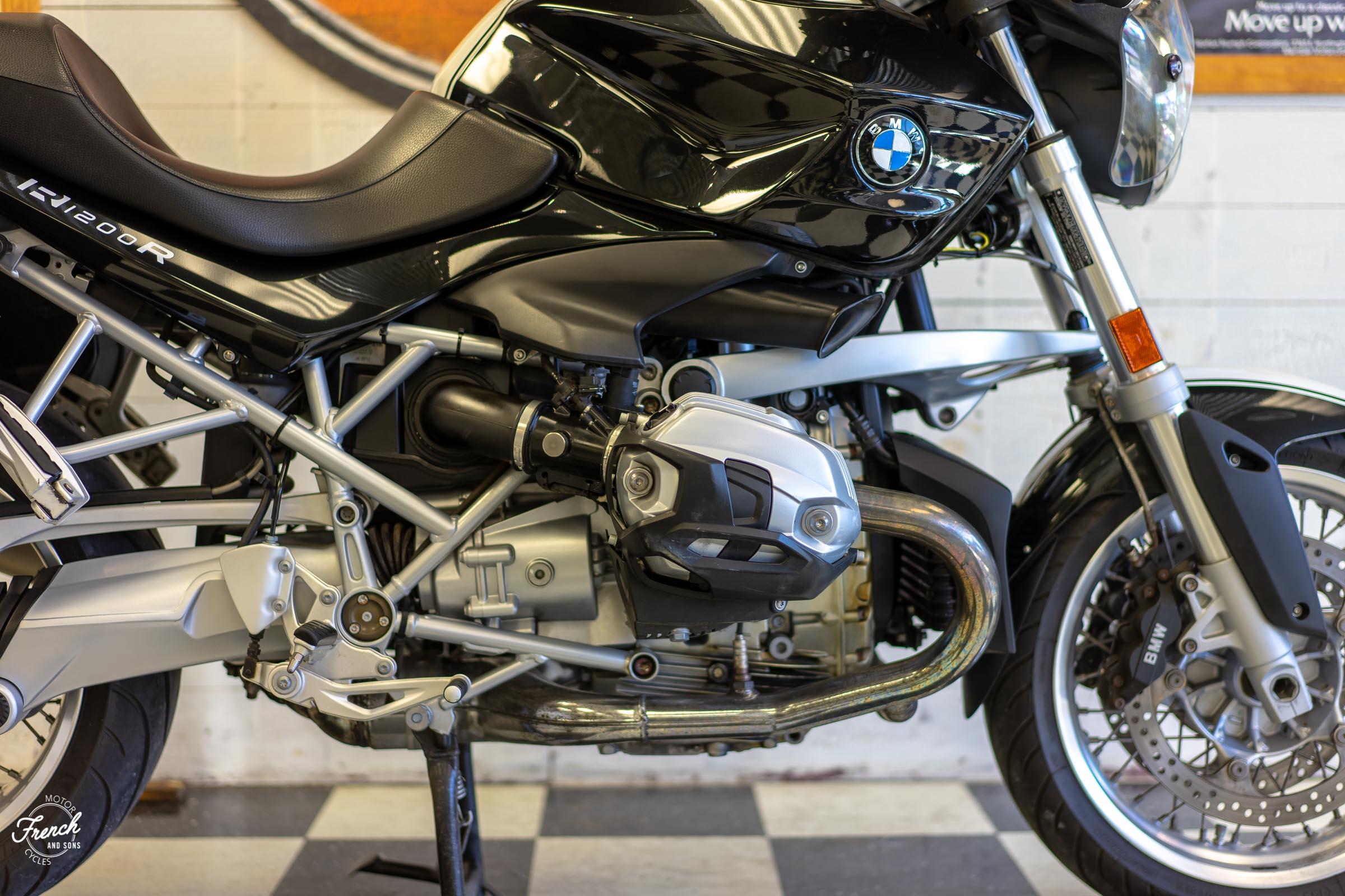 2011BMWR1200R-4.jpg