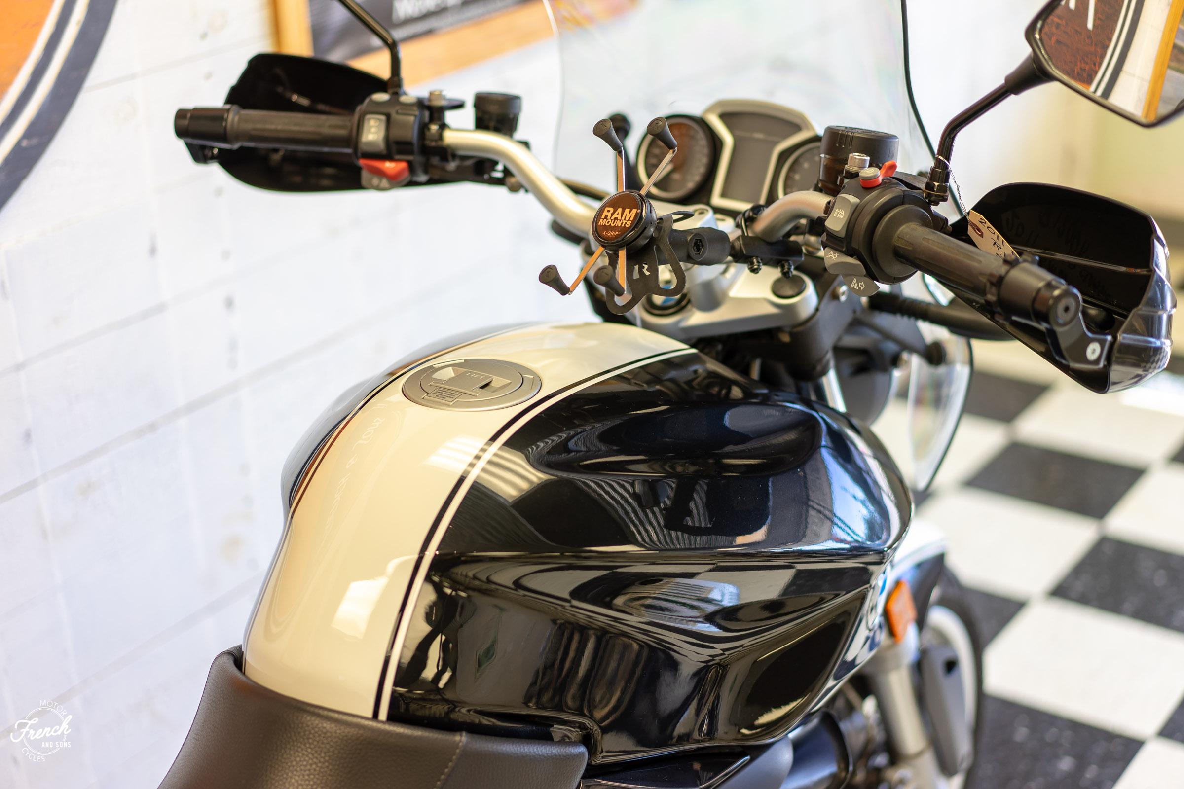 2011BMWR1200R-11.jpg