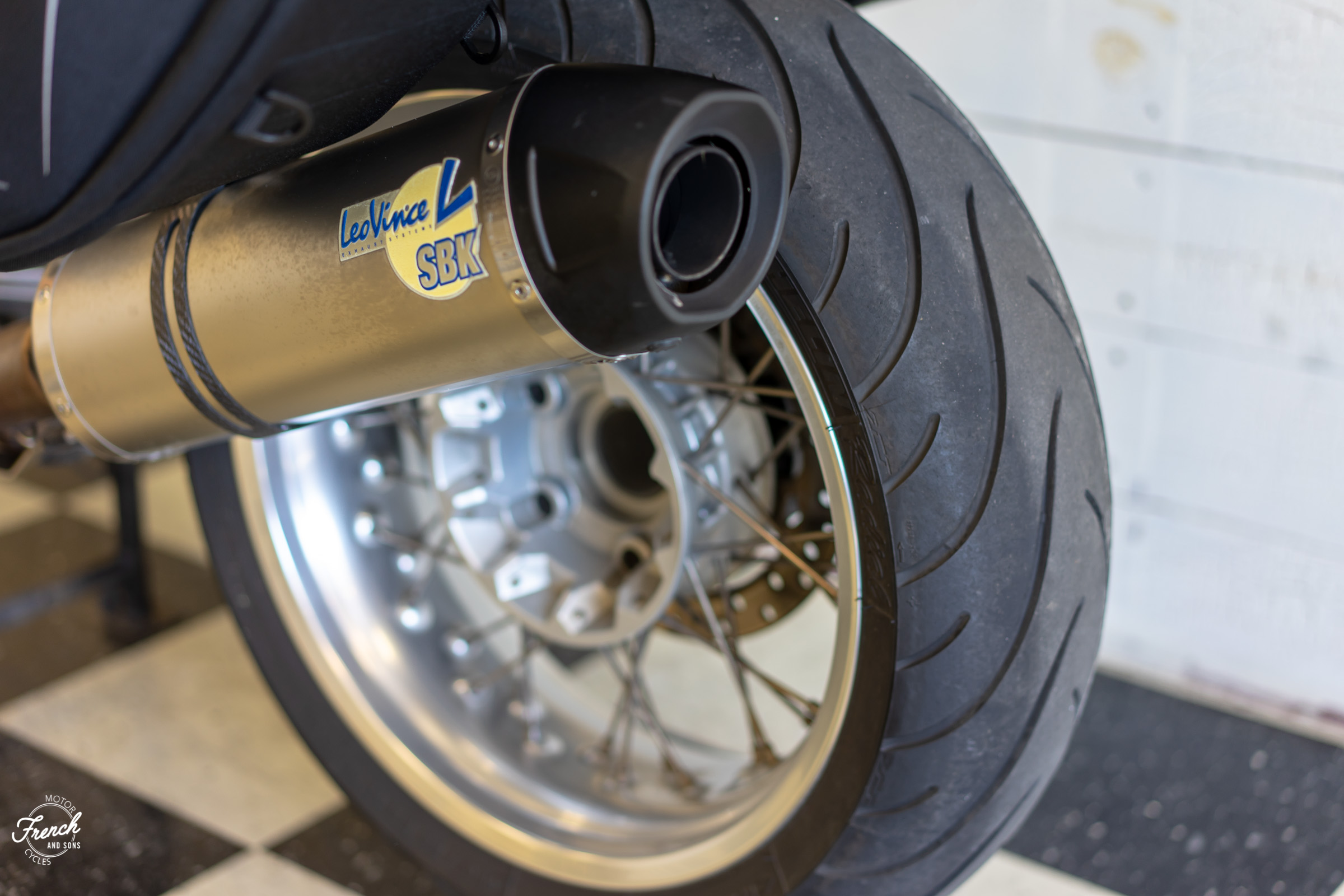 2011BMWR1200R-24.jpg