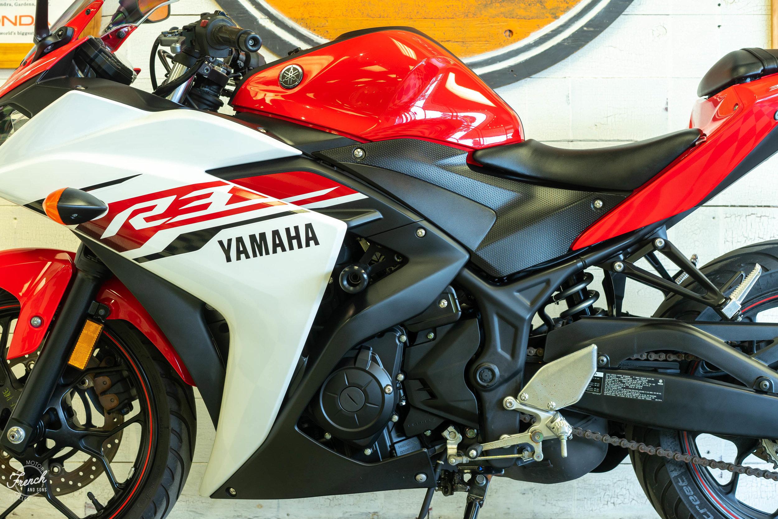 2015_yamaha_r3-18.jpg