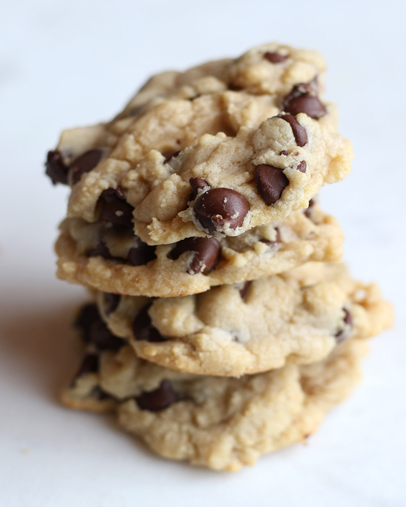 The best chewy chocolate chip recipe, a classic! Recipe by Lolo's Desserts.