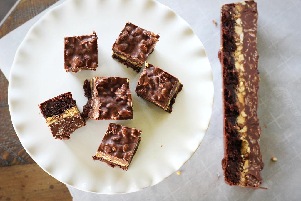 crack brownies 2.png