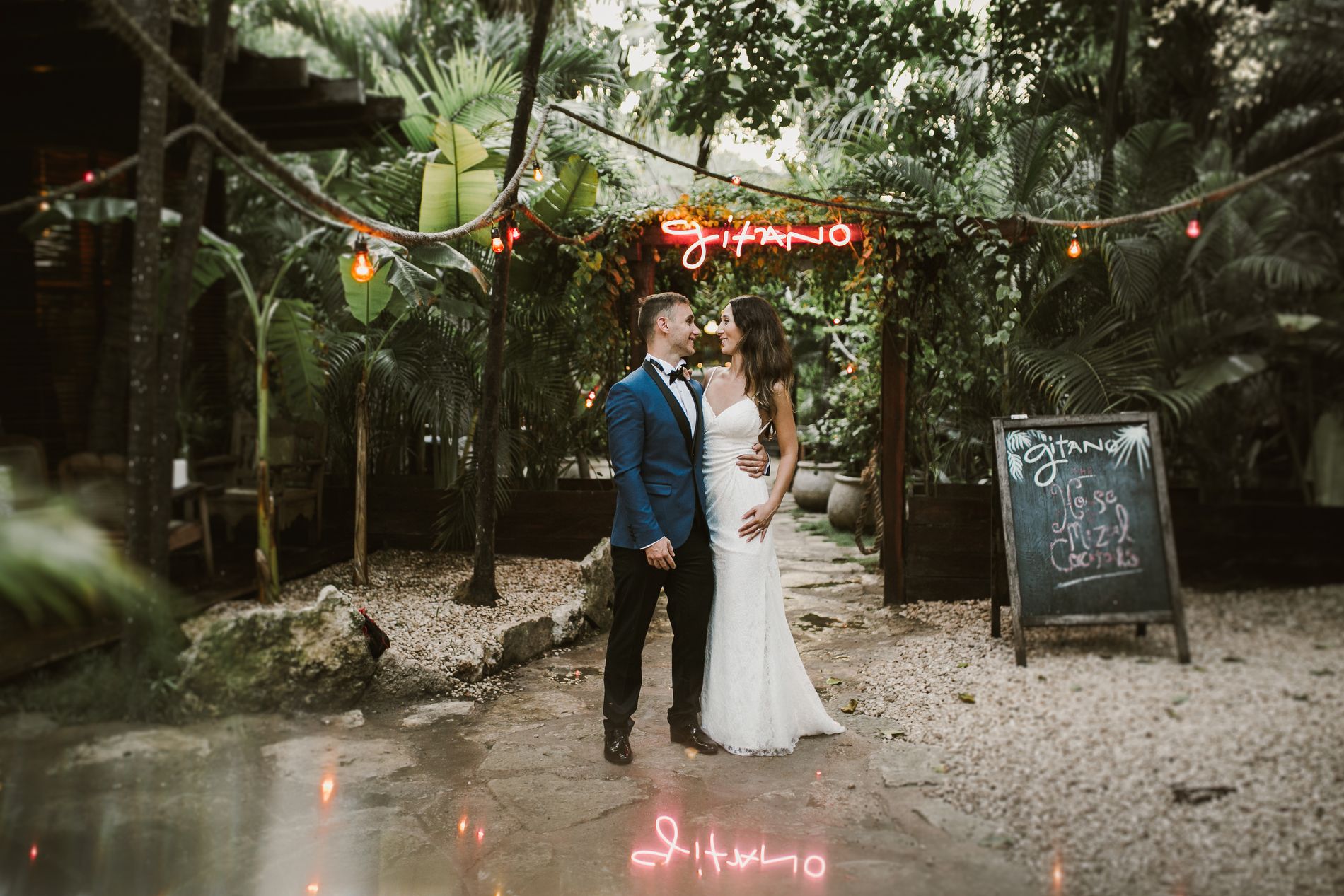 Destination photographer_tulum_ginatorestaurant_honeymoon_engagement_wedding_0020.JPG