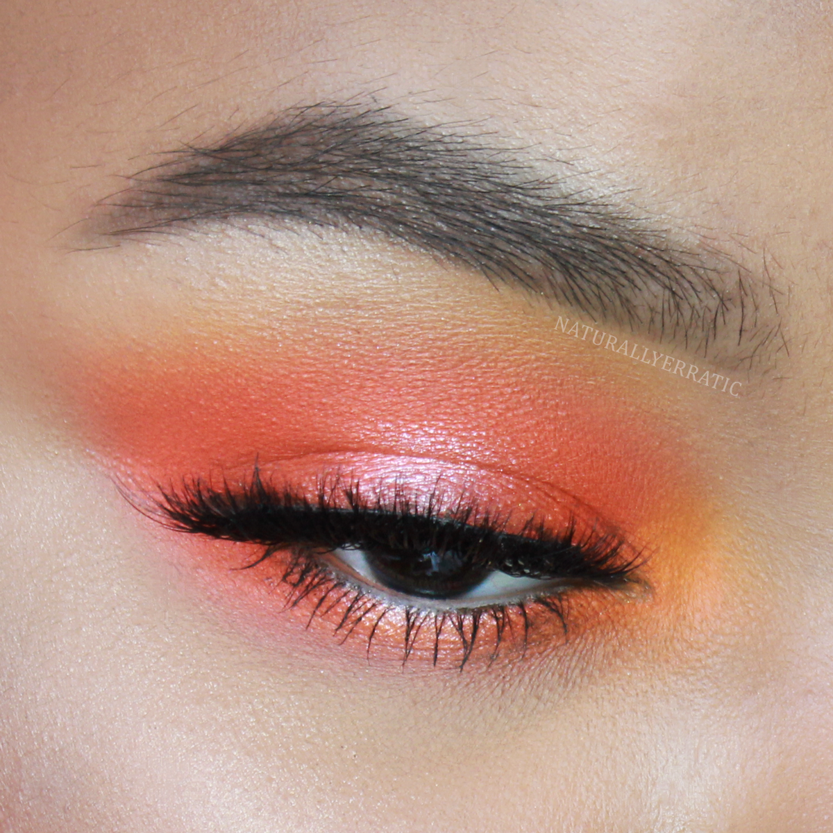 orange-smokey-eye-makeup.png