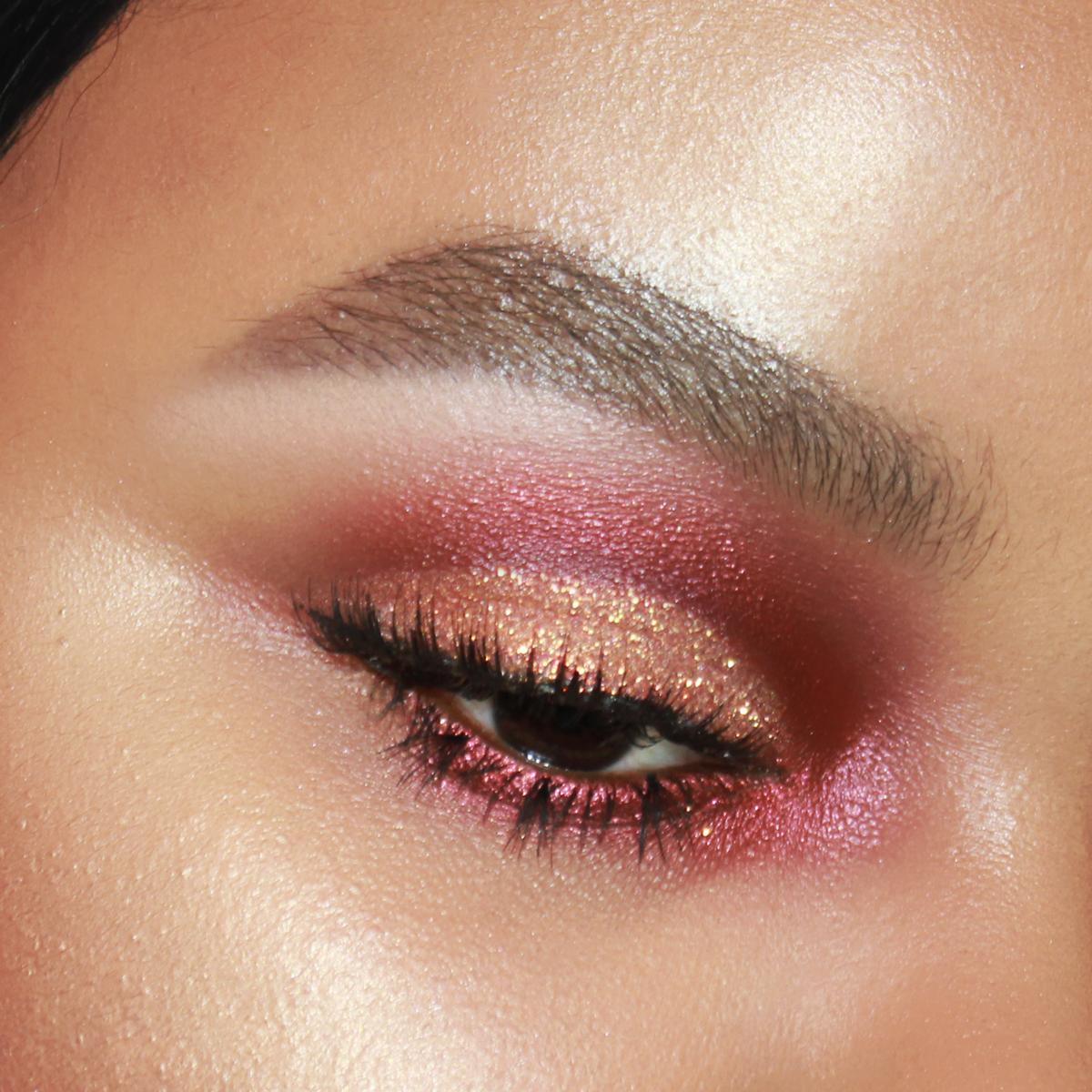 Red Smokey Eye Makeup, OCC Red Light Loose Colour, OCC Spark, Gold Glitter