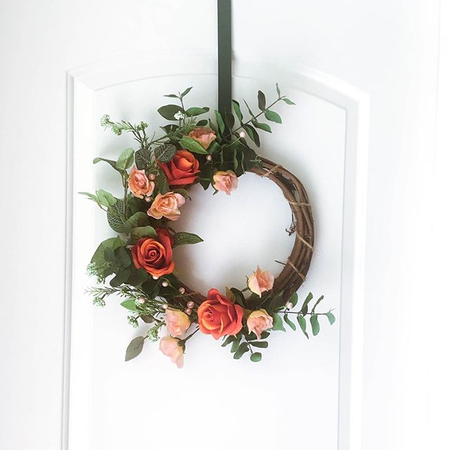 peaches and cream _ _ _ #frontdoordecor #floraldesign #etsyseller #etsy #wreath #homedecor #eucalyptus #flowers #handmade #orange #spring #springdecor #homedecor #greenerywreath #farmhouse #etsyshop #modernwreath #makersmovement #thatsdarling #vsco #buyfolk #handmadewithjoann