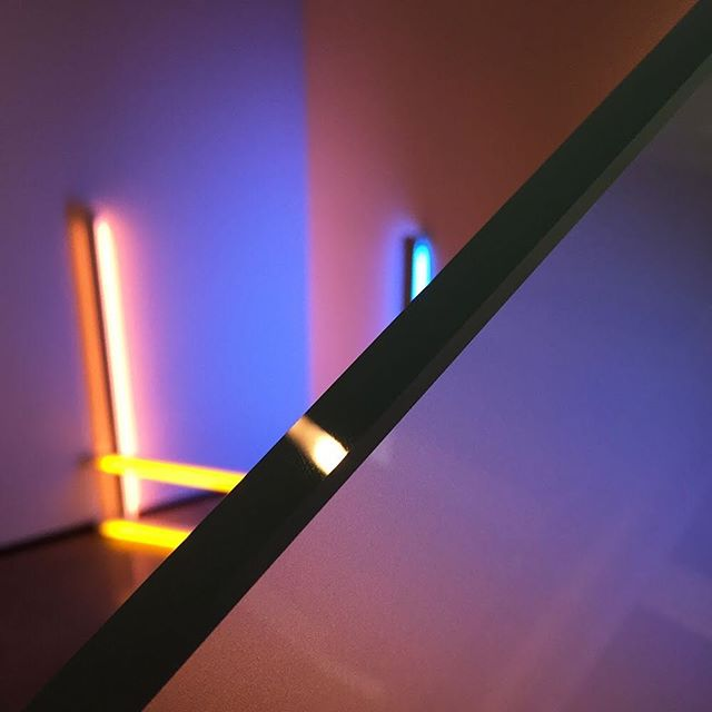 [ VERY ARTSY ] An oldie but a goodie . . . . . . #art #museum #artmuseum #photography #light #reflection #designer #creative #design