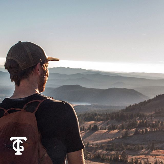 ( A wishful collaboration with Terminal Gravity Brewing )  Jake and I went backpacking at Broken Top Mountain, savoring the sunset with a cold beer in hand. Here is our adventure photographed, attempting to show the power of these mountains and the beer they inspire. @jakesullivanwork  @terminalgravitybrewingco . . . . . . . #photo #photography #backpacking #beer #beerventure #terminalgravitybrewing #collab