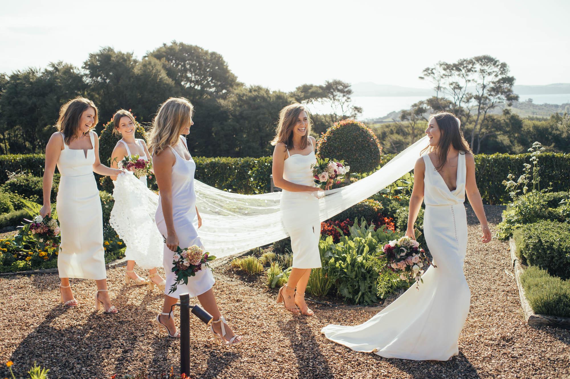 LibbyRobinson-TessaSam-bridalparty-lowres-101.jpg