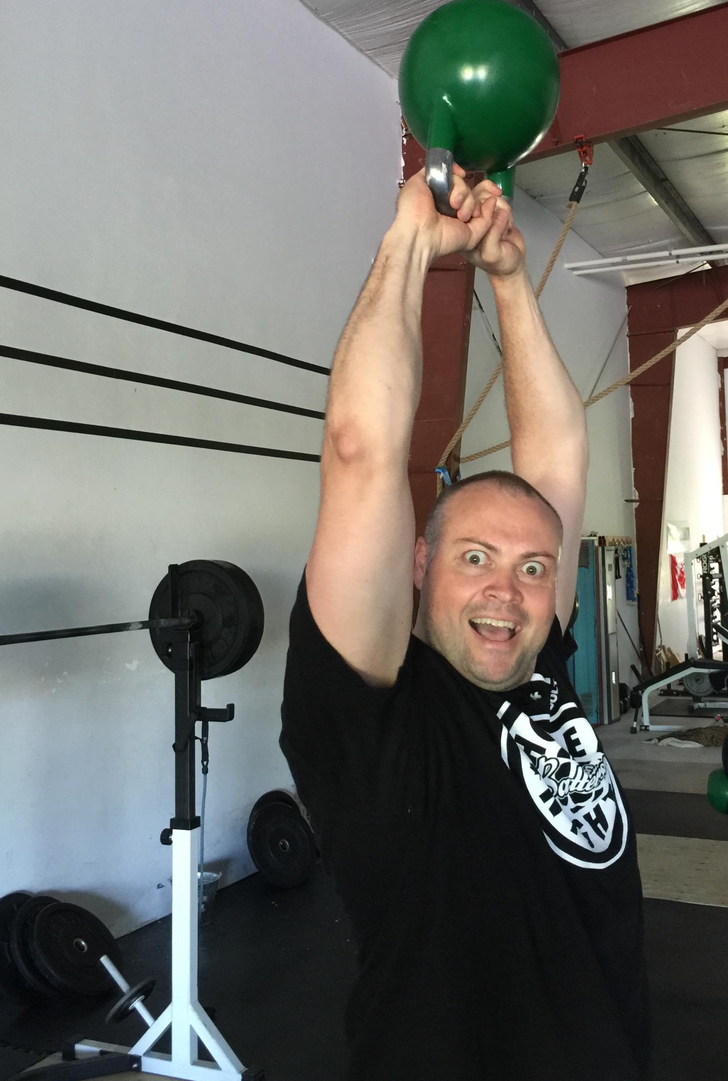 gym-fitness-training-kingston-craig-kettlebell swing