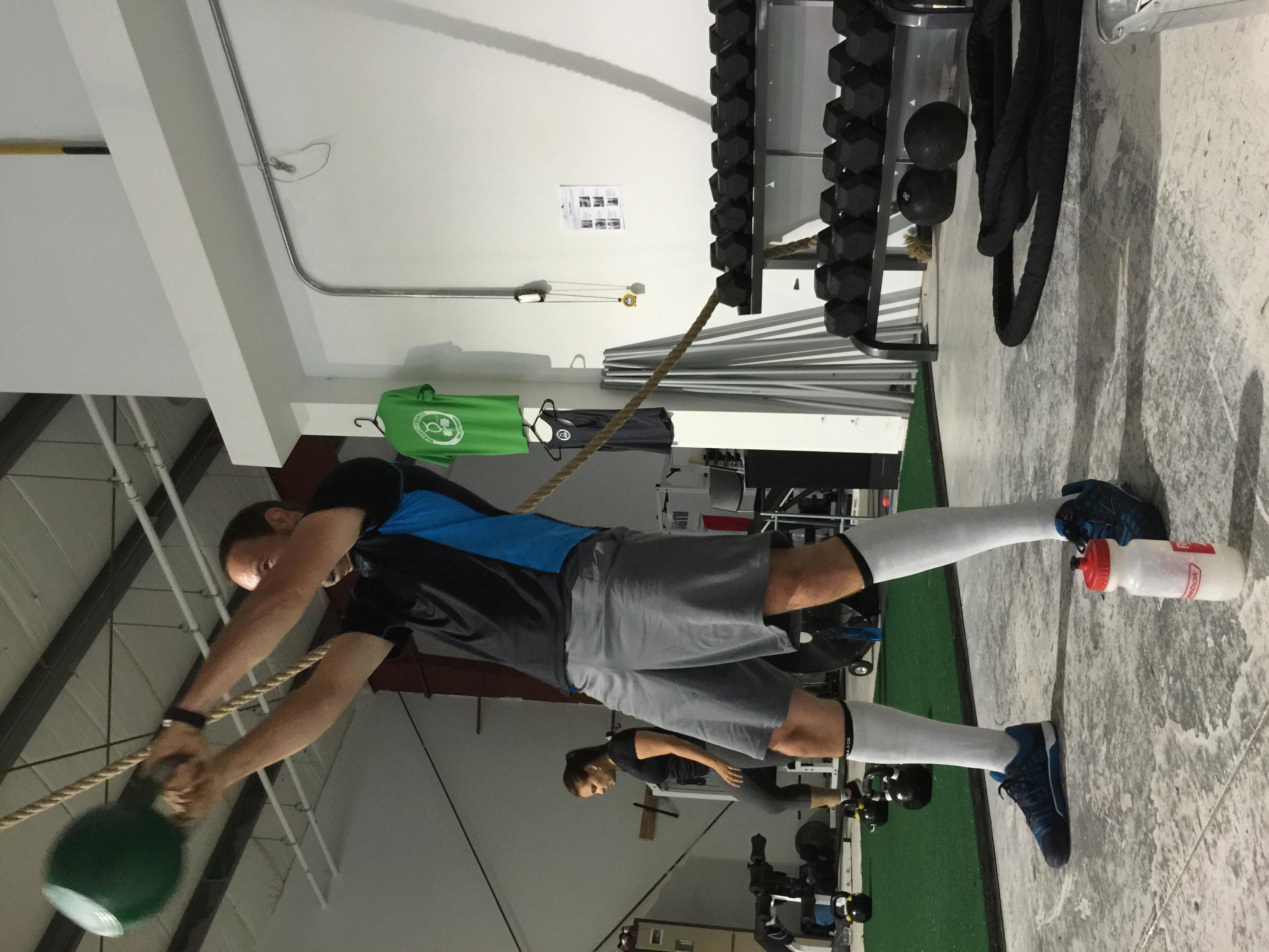 gym-fitness-training-bootcamp-kingston-ketllebell swing