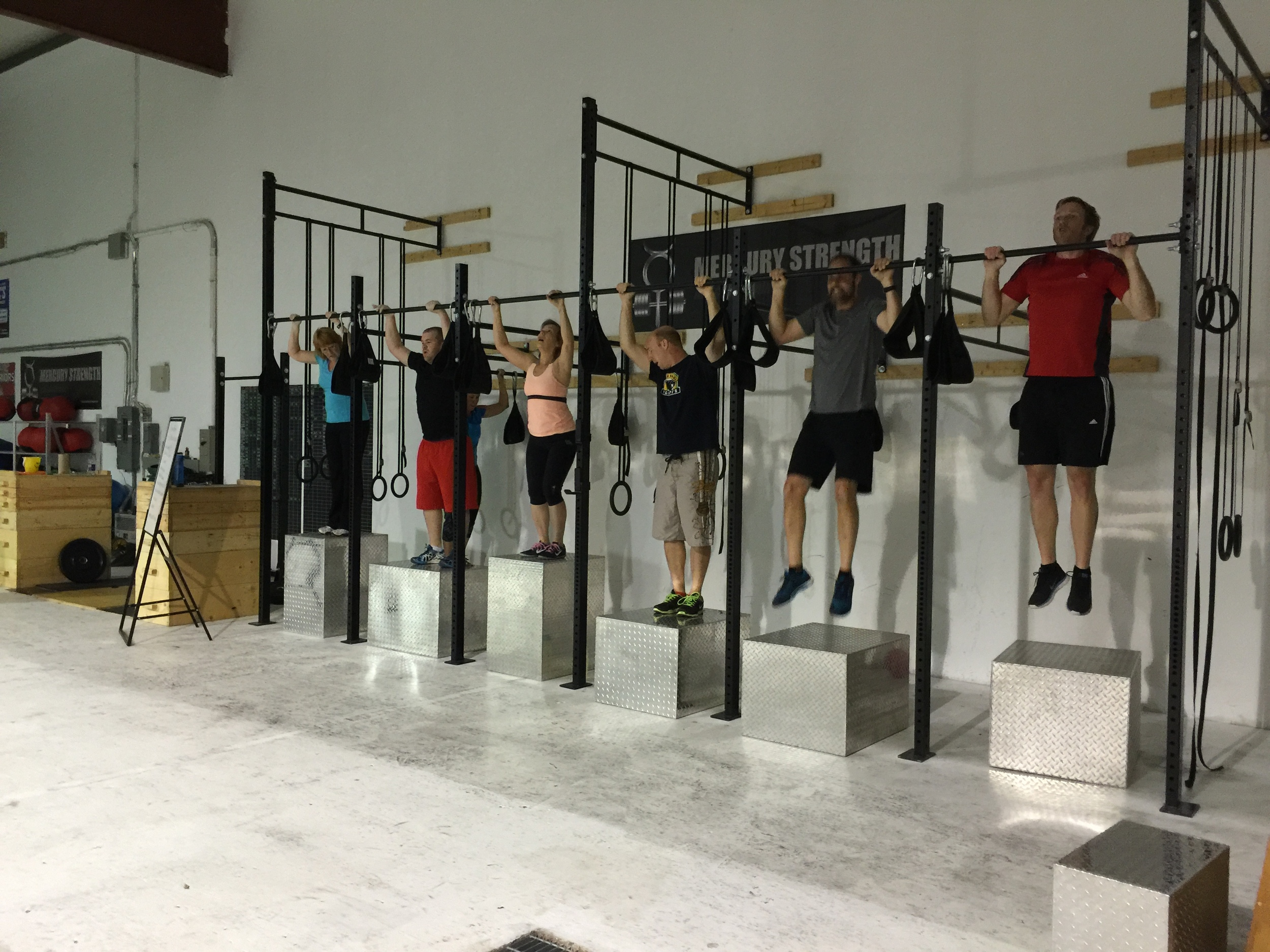 gym-fitness-training-bootcamp-kingston-jumping pullup