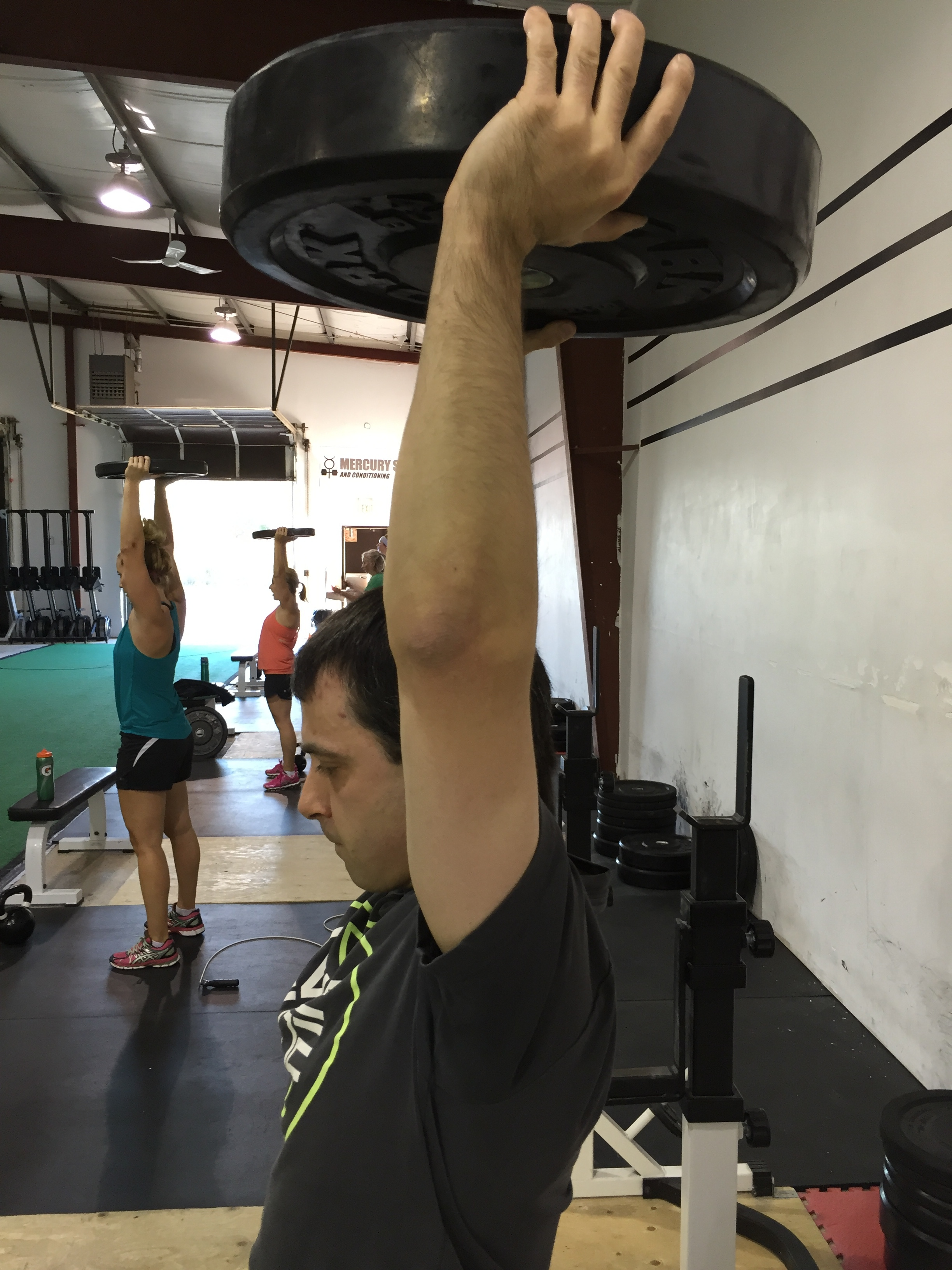 gym-fitness-training-bootcamp-kingston-overhead plate hold