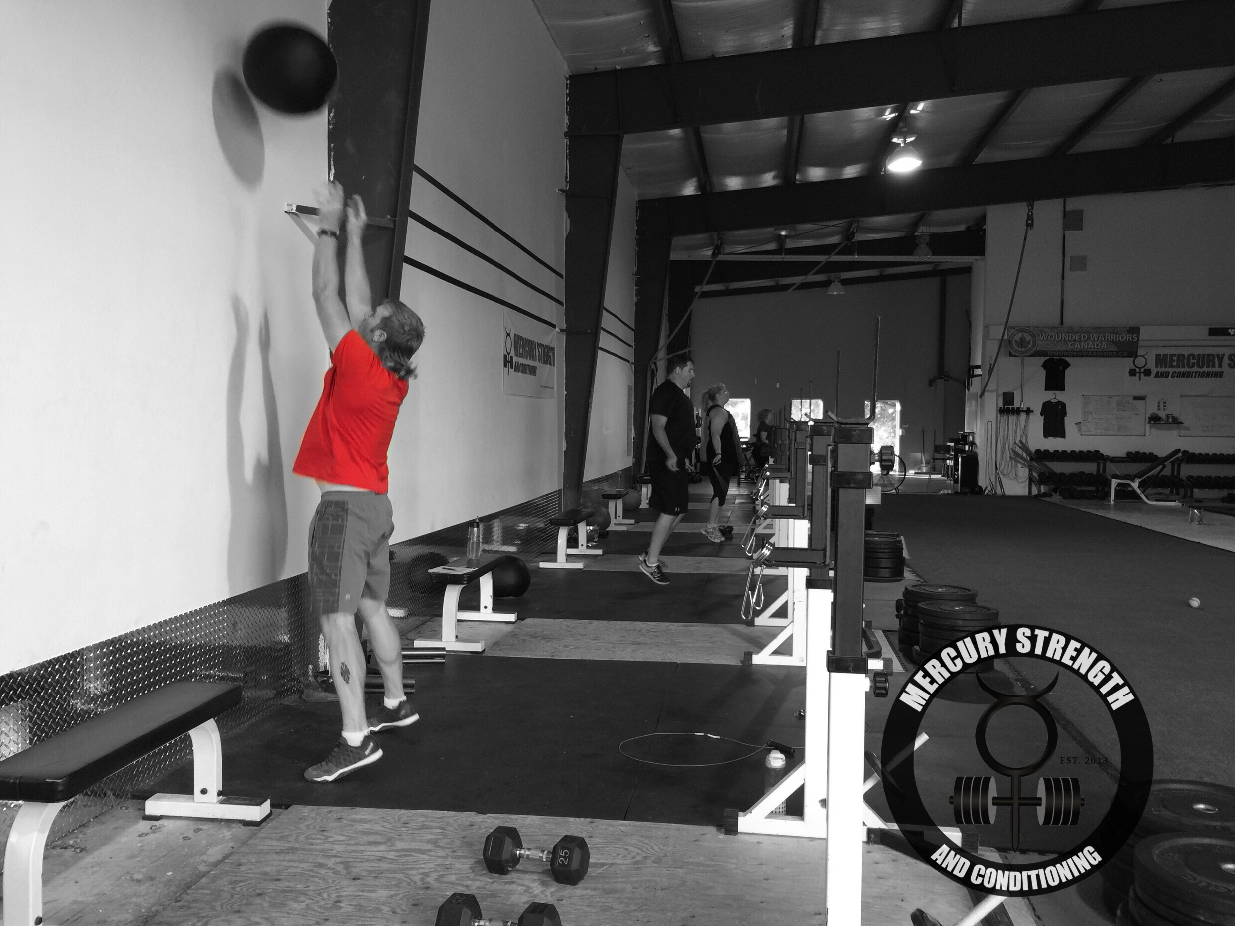 Some of the 06:30 crew cranking out some wall balls and skips!