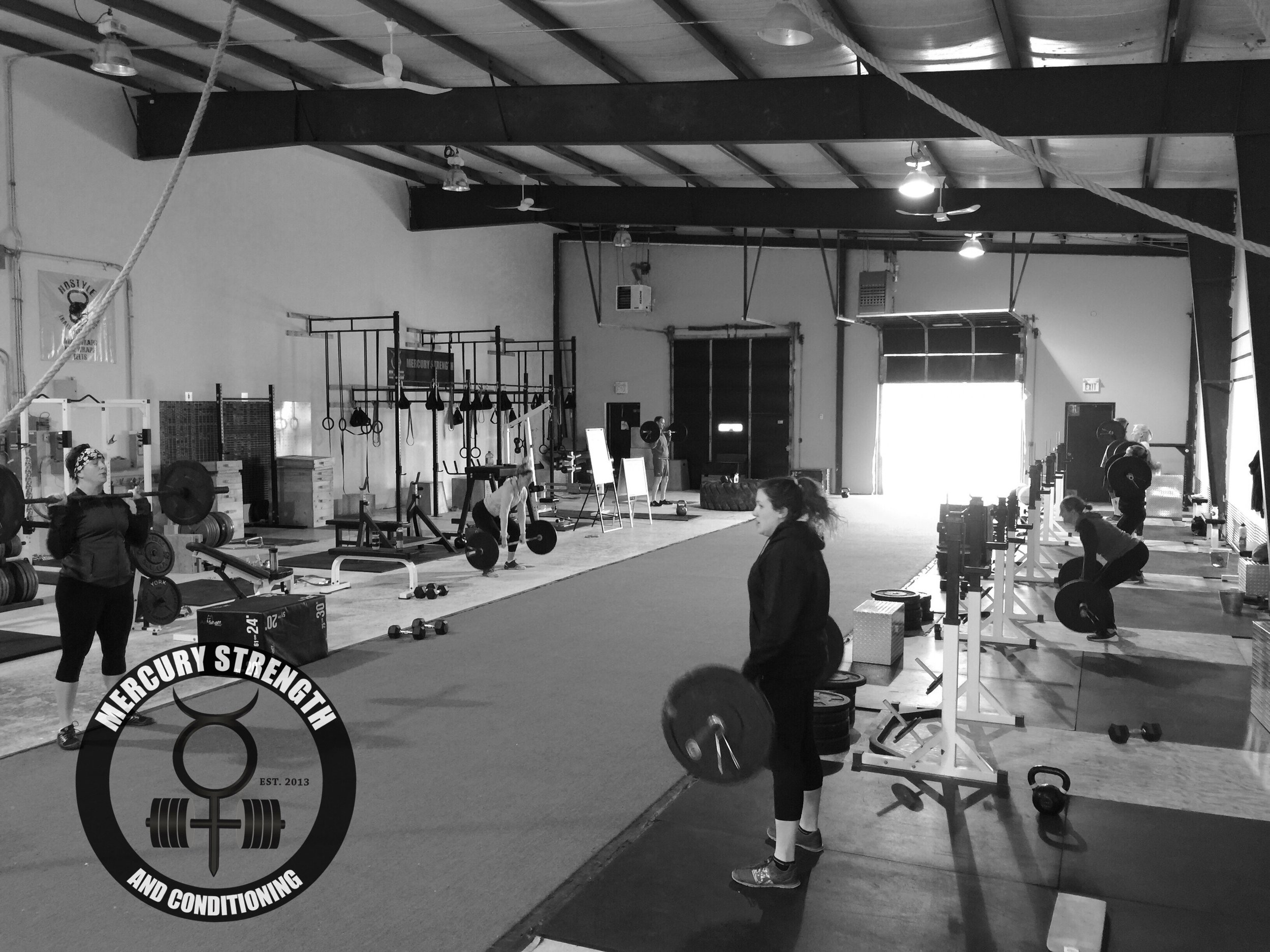 Gym-powerlifting-fitness-training-bootcamp-crossfit-kingston-kids-mercury-strength-conditioning-athlete-power clean