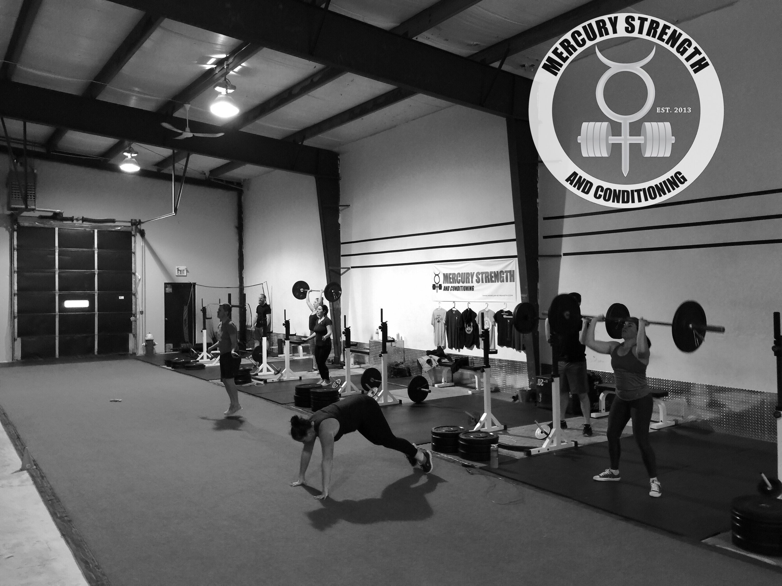 The 16:45 crew cranking out some thrusters and burpees