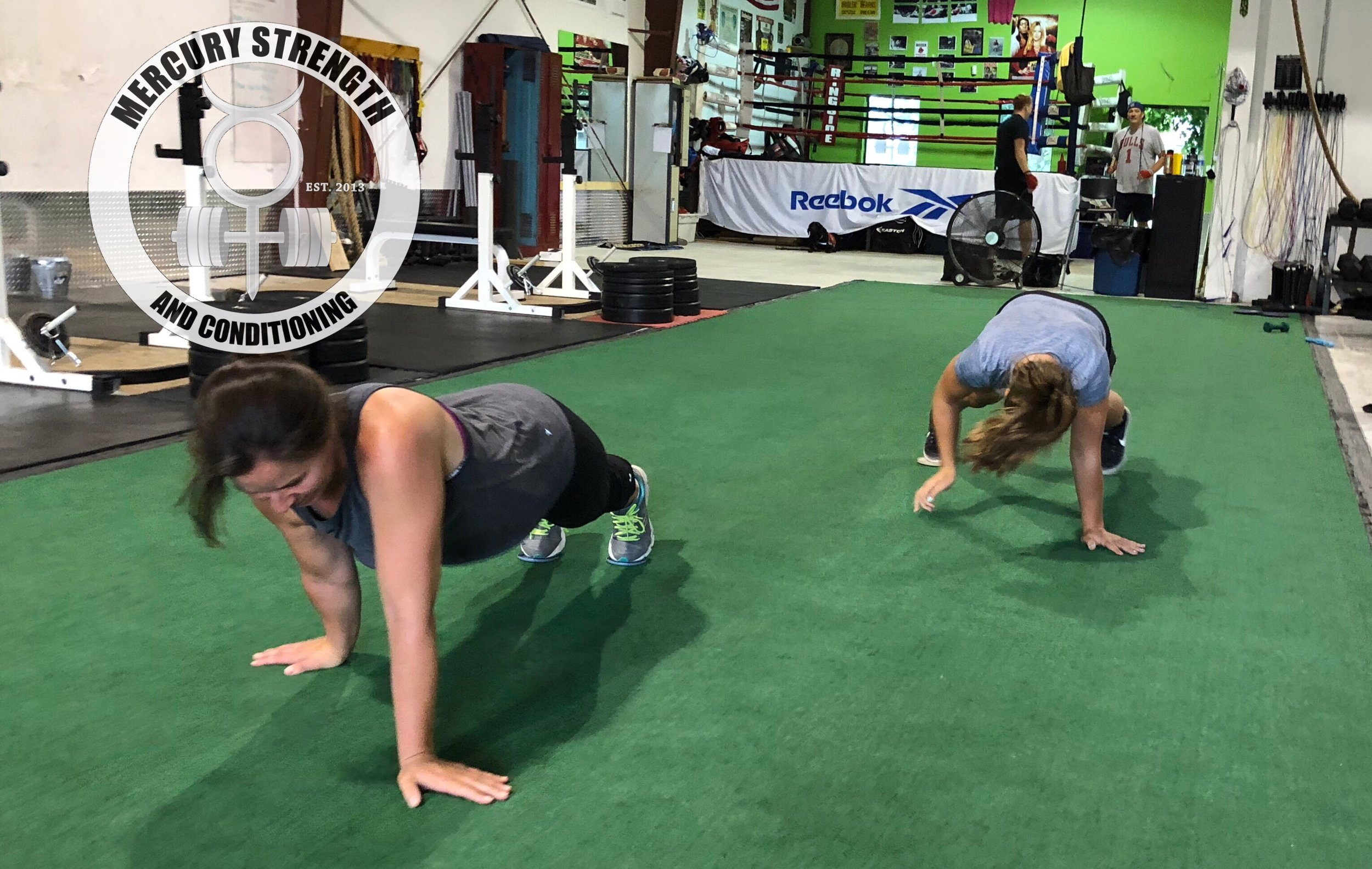 Mother/daughter competition during the plank walk