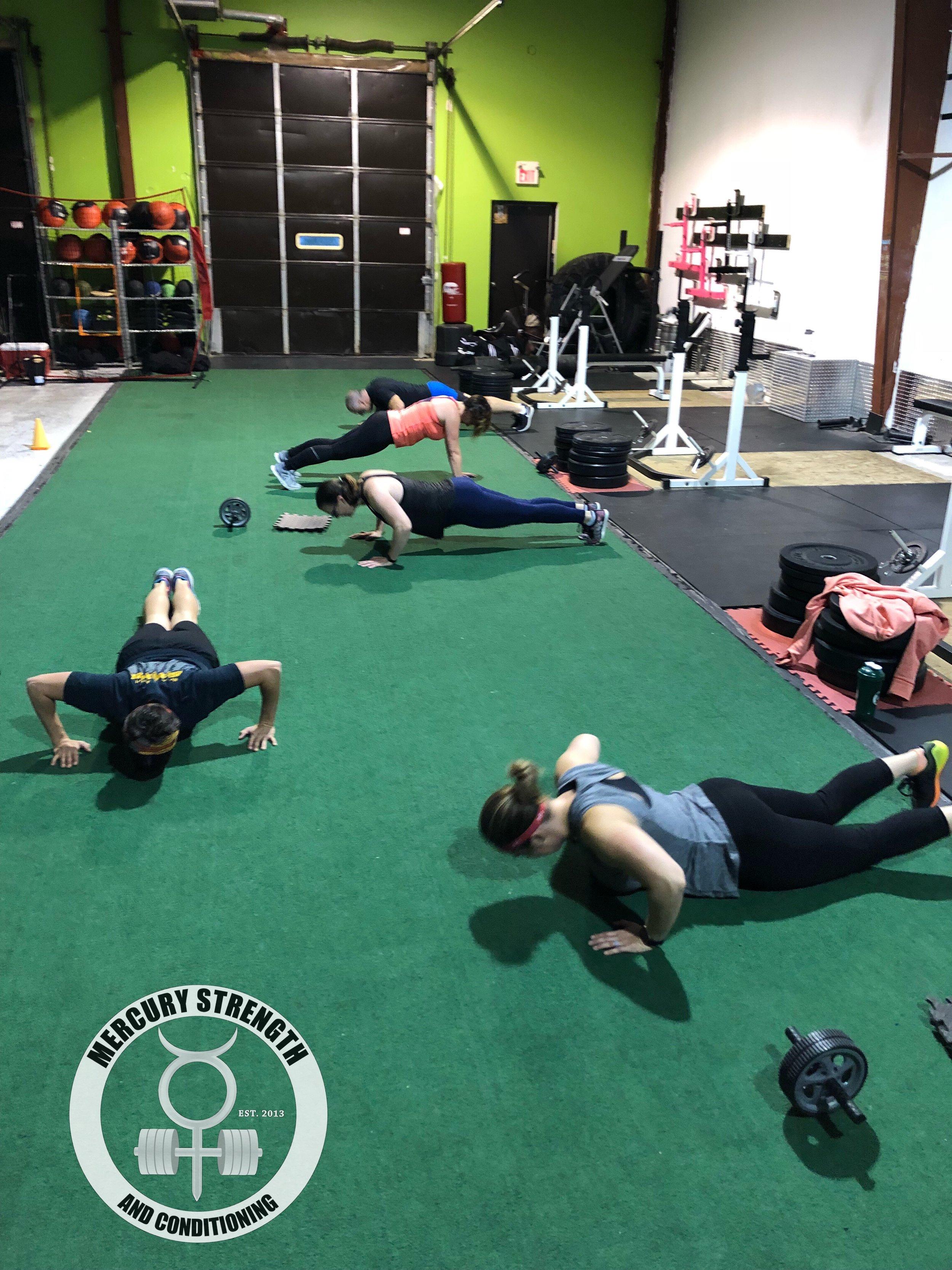 Gym-powerlifting-Olympic lifting-fitness-personal training-training-bootcamp-crossfit-kingston-kingston gym-kids-mercury-strength-conditioning-athlete-push ups