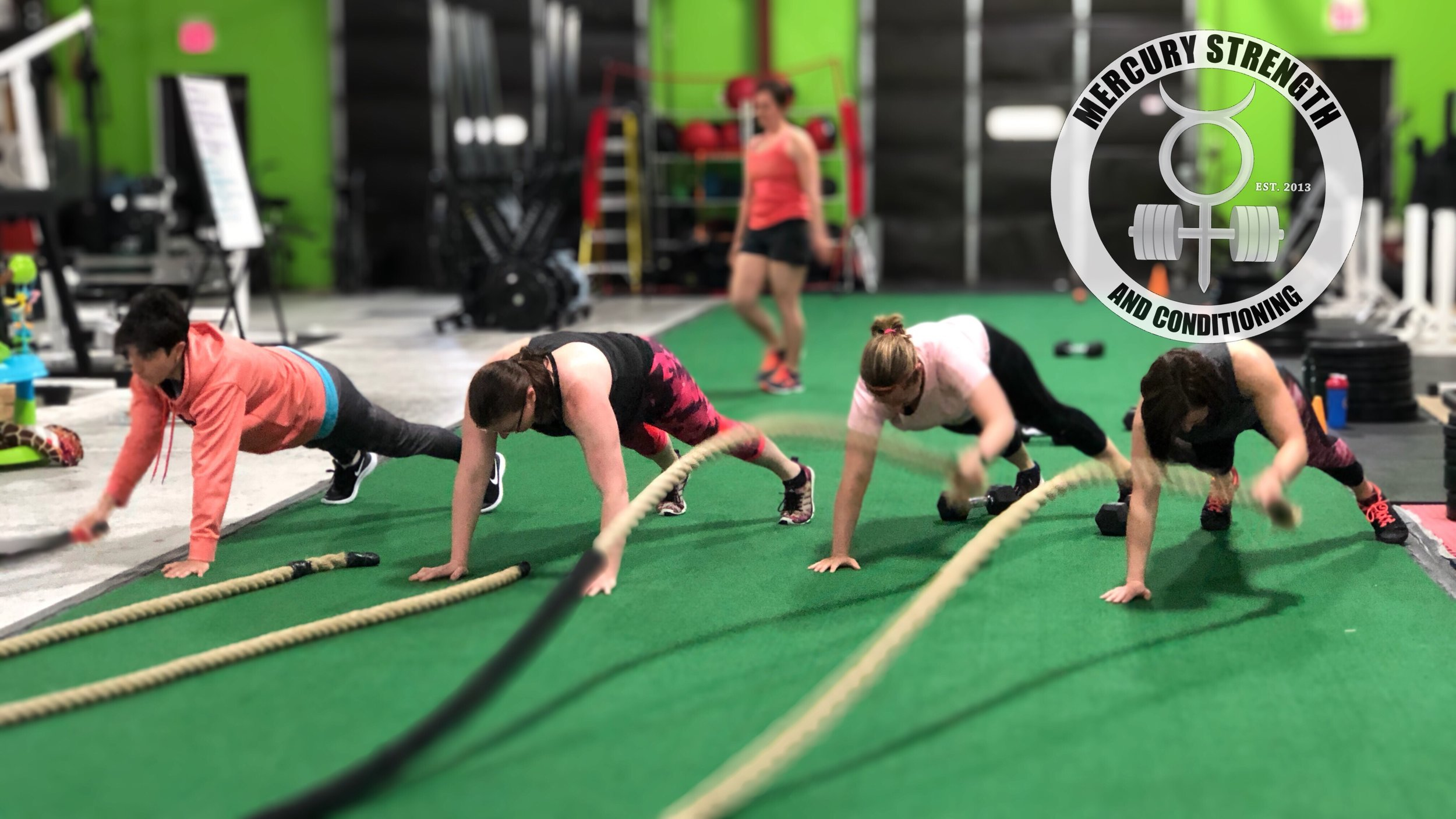 Some battle rope plank action