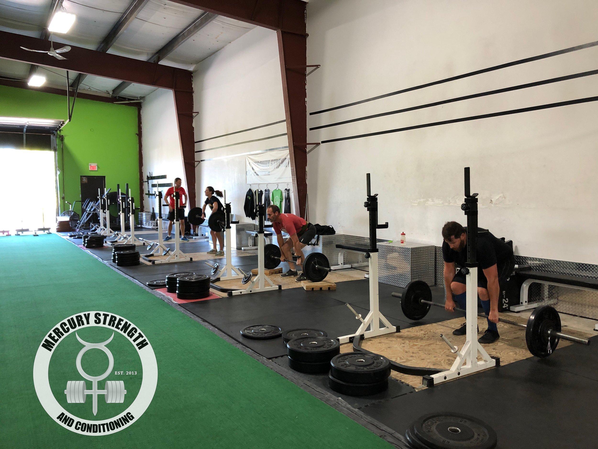 Gym-powerlifting-fitness-personal training-training-bootcamp-crossfit-kingston-kingston gym-kids-mercury-strength-conditioning-athlete-Power Clean.JPG