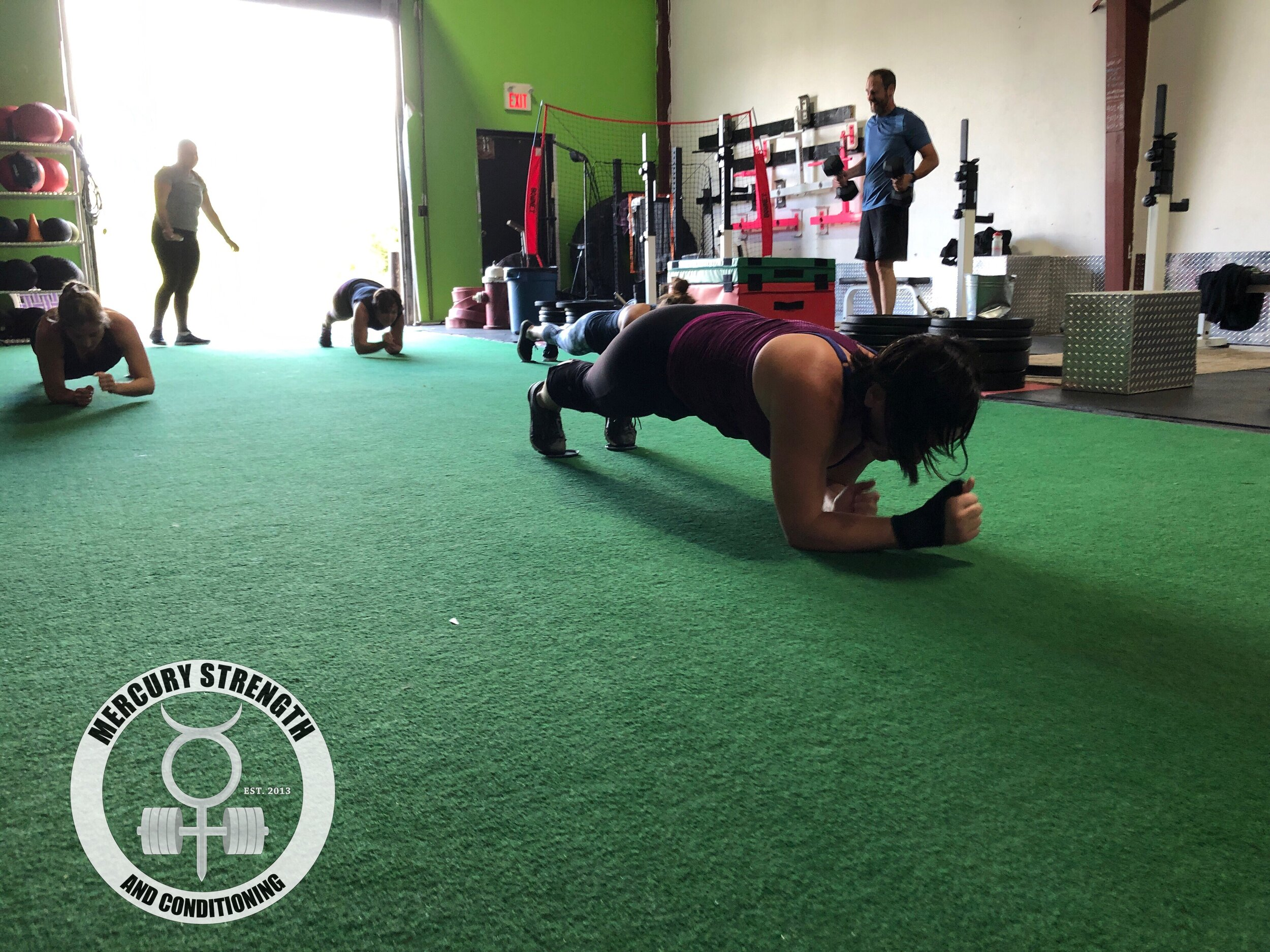 Lindsey leading the Saturday pack with some gliding army crawls.