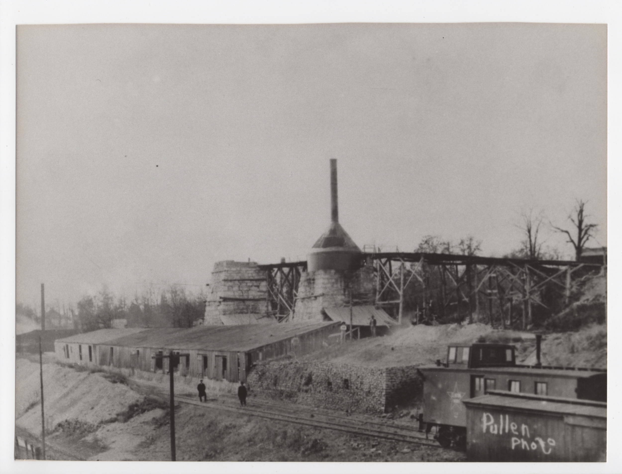 Construction of the second kiln ( Image from private collection)