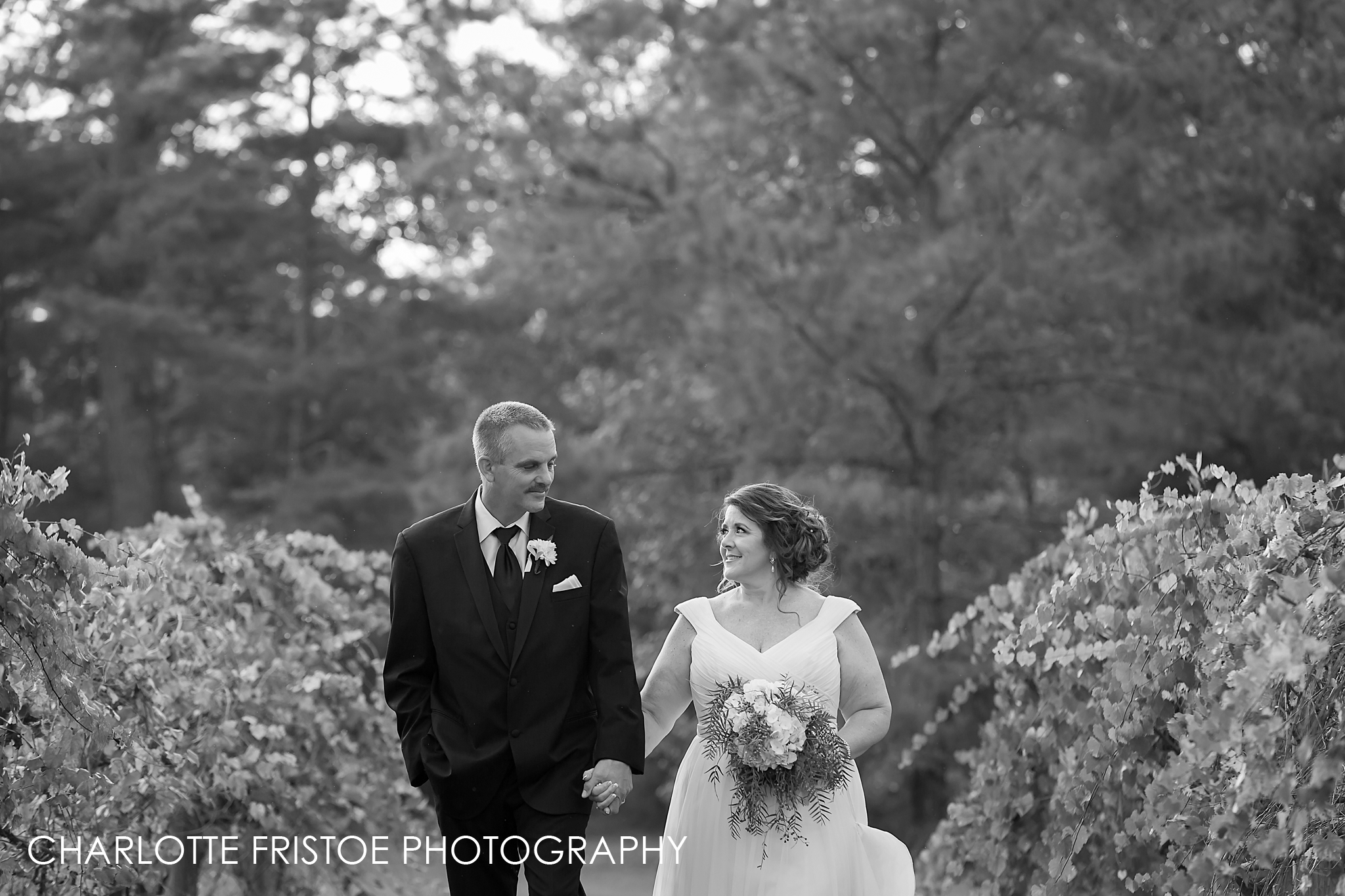 Donna and Eric-438BW.jpg