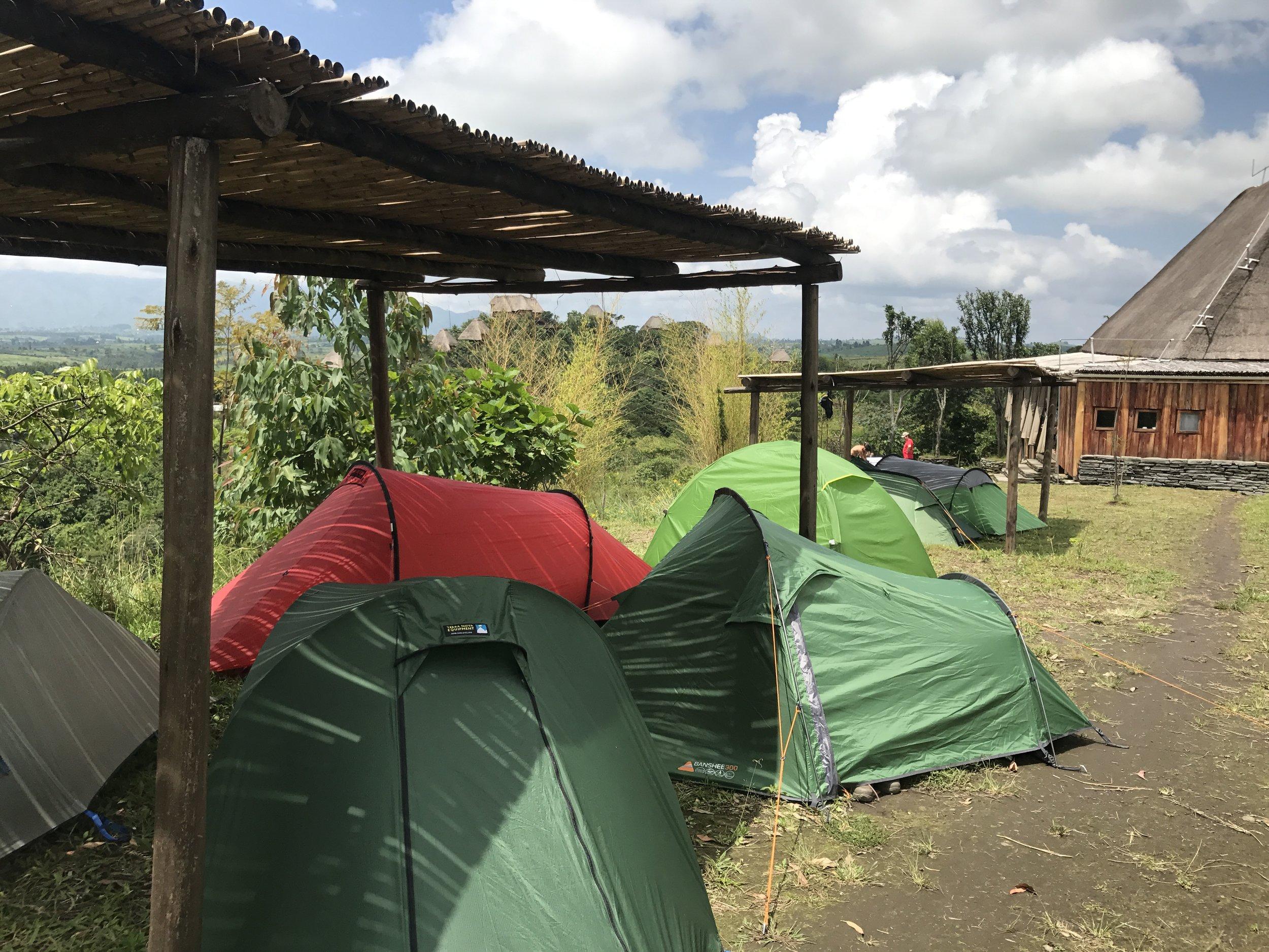 Camping Uganda, Marathon HQ