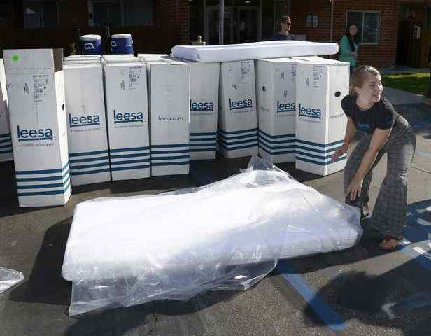 """More than 100 youth and families received free mattresses Wednesday as part of a giveaway promoting better sleep and wellness.   http://www.pasadenastarnews.com/social-affairs/20170830/more-than-100-mattresses-given-to-foster-youth-families   Leesa, an online direct-to-consumer luxury mattress company, donated 111 new mattresses to Hillsides' Youth Moving On program families.  The nonprofit serves youth transitioning from foster care to adulthood.  The giveaway also benefited families served by Hillsides' Family Resource Centers, and Hillsides' Foster Care and Adoptions program run by its affiliate Bienvenidos.  """" This is the basics that all of us have, and these clients don't have it ,"""" said Hillsides Chief Advancement Officer Carrie Espinoza. """"It will be really affirming to them, and show them that people care and are trying to help them improve their life.""""  Leesa donates one mattress for every 10 they sell, and has provided more than 18,000 mattresses to date to nonprofits that serve people seeking refuge from homelessness, domestic risk and human trafficking.  """"Sleep is a powerful thing,"""" said Jen-Ai Notman, social impact representative with Leesa. """"We want people to wake feeling refreshed and ready to make the most of their education, or life.""""  Dr. Drew Pinsky, better known as Dr. Drew, is a longtime supporter of Hillsides along with his wife, Susan, a former Hillsides gala chair. Both were on hand at the giveaway.  """"Hillsides is doing it right, from top to bottom,"""" Pinsky said of Hillsides' work. """"These kids, these families,  they're tramautized and it takes a while to build trust and reengage with the world .""""  Pinsky broadcast his daily KABC radio show, """"Dr. Drew Midday Live with Mike Catherwood,"""" live on Wednesday before the giveaway at the Youth Moving On Peer Resource Center, just down the block."""""""