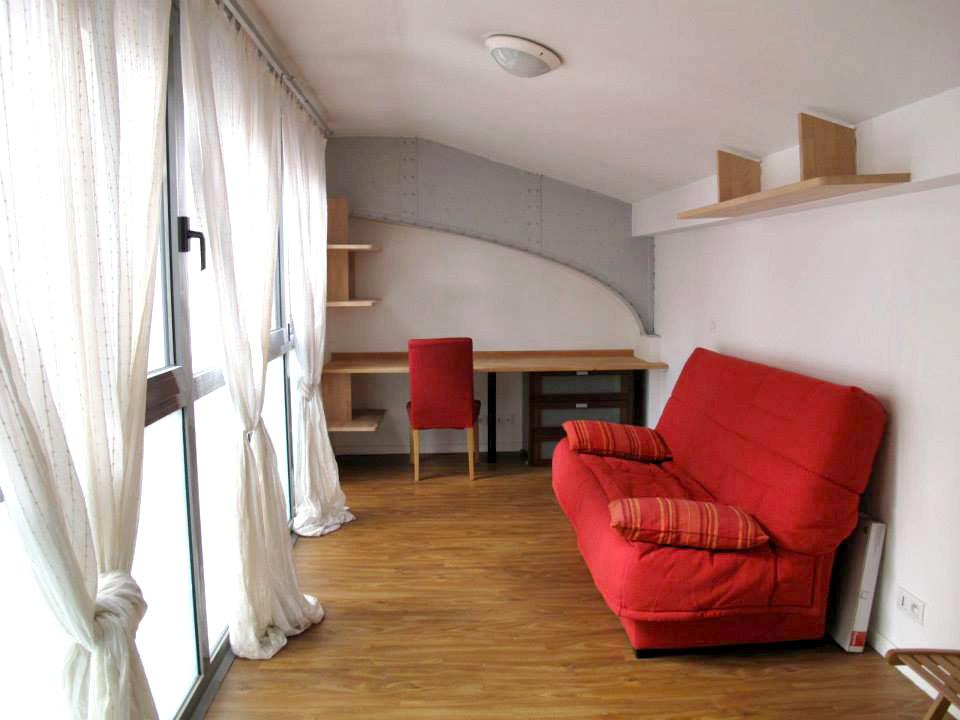 Grand studio avec grande baie vitrée 23m2 - 2ème étage