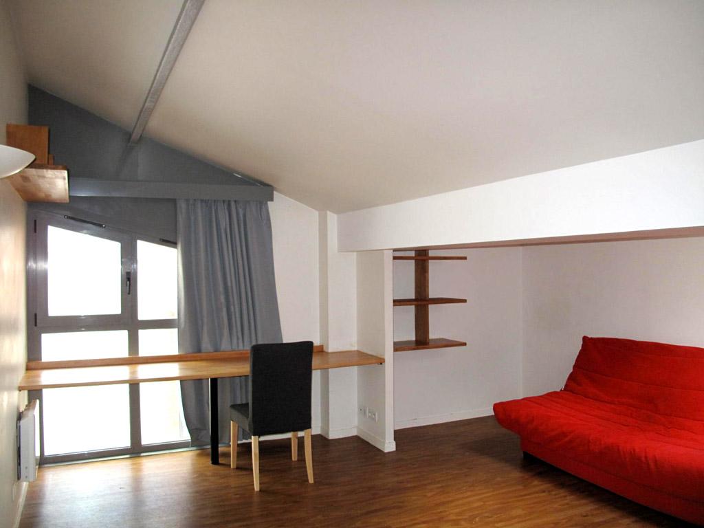 Grand studio avec alcove 30m2 - 2ème étage