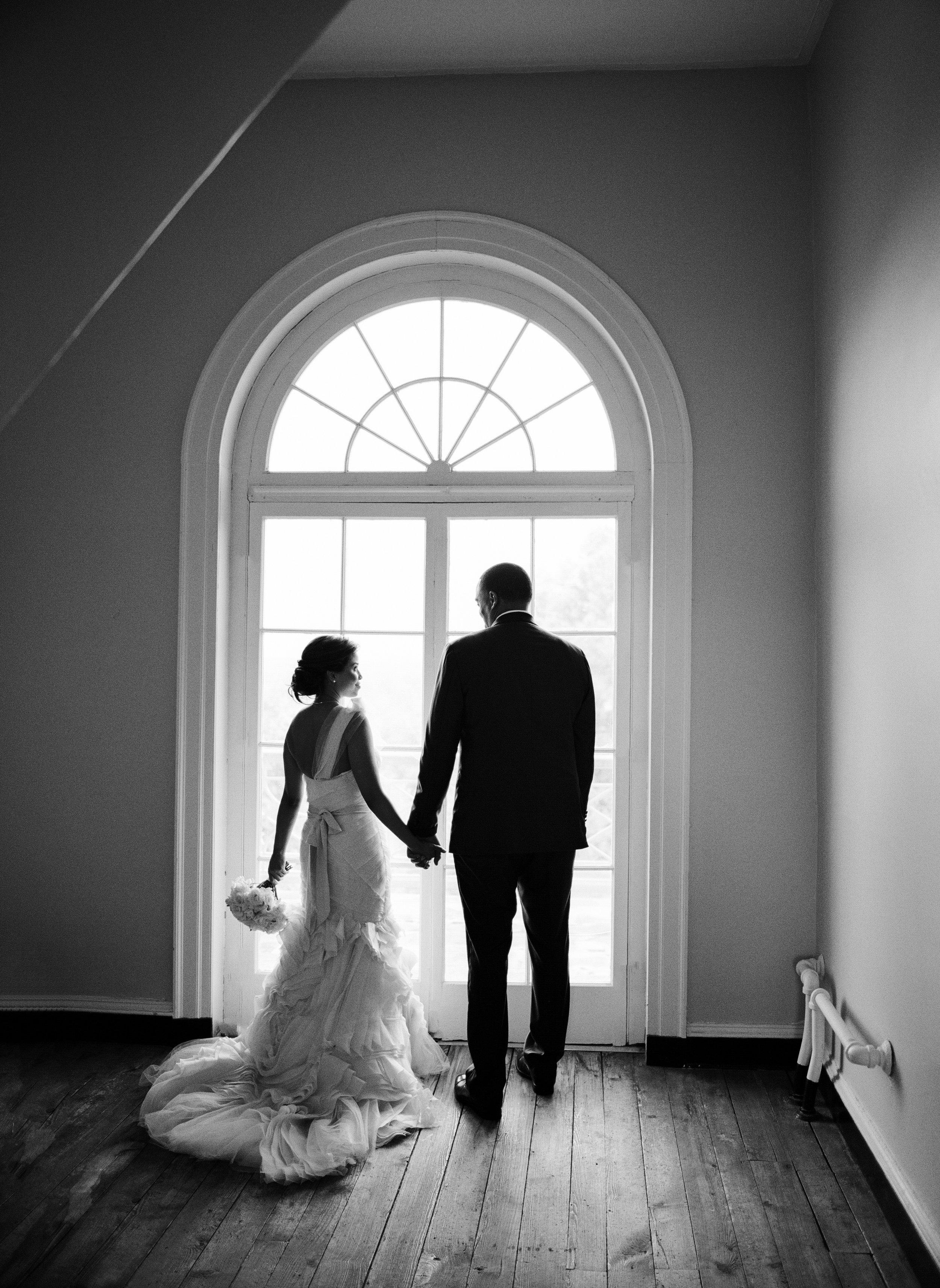 18_WoodlawnVAwedding-24b.jpg