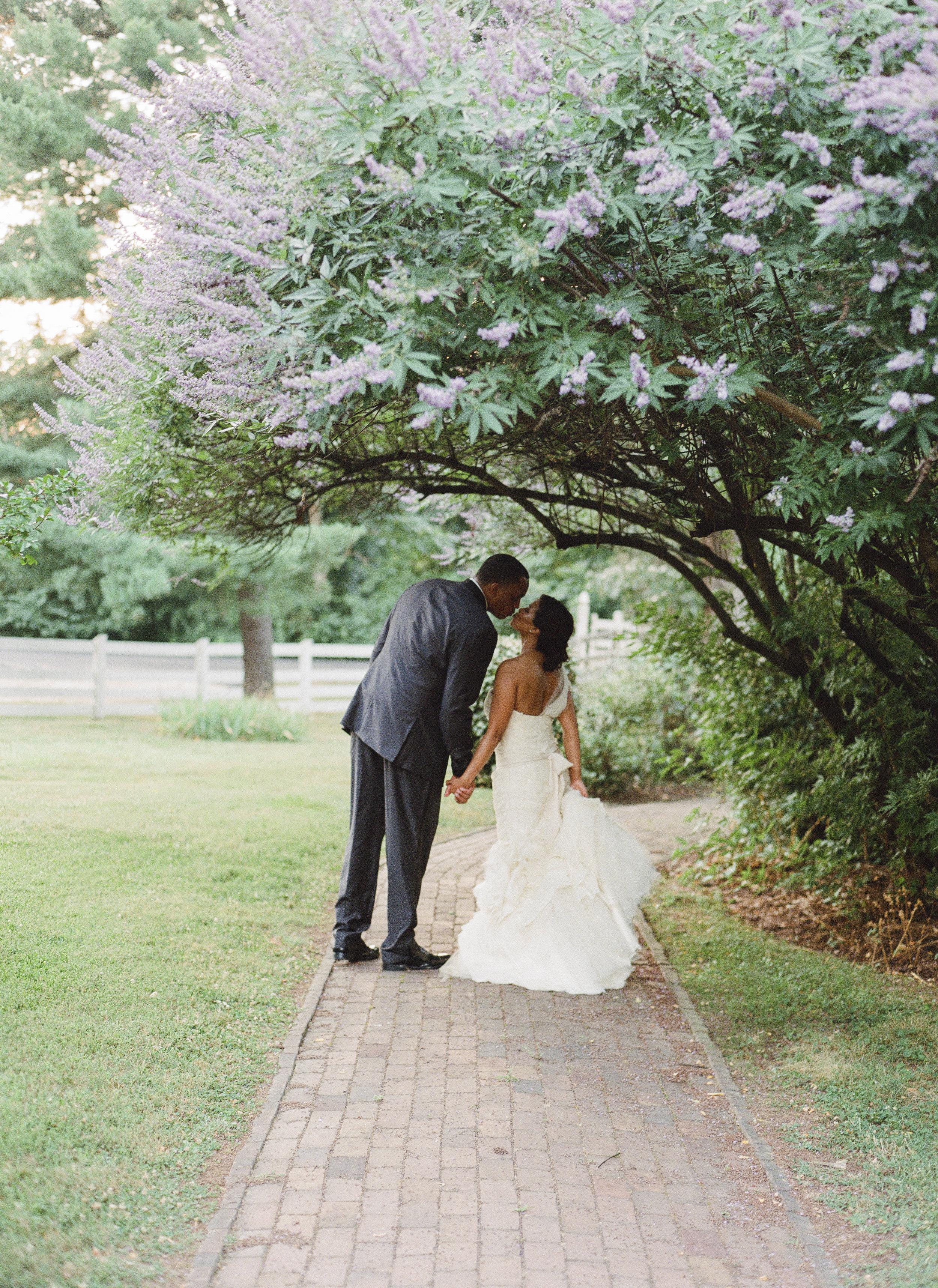 18_WoodlawnVAwedding-40.jpg