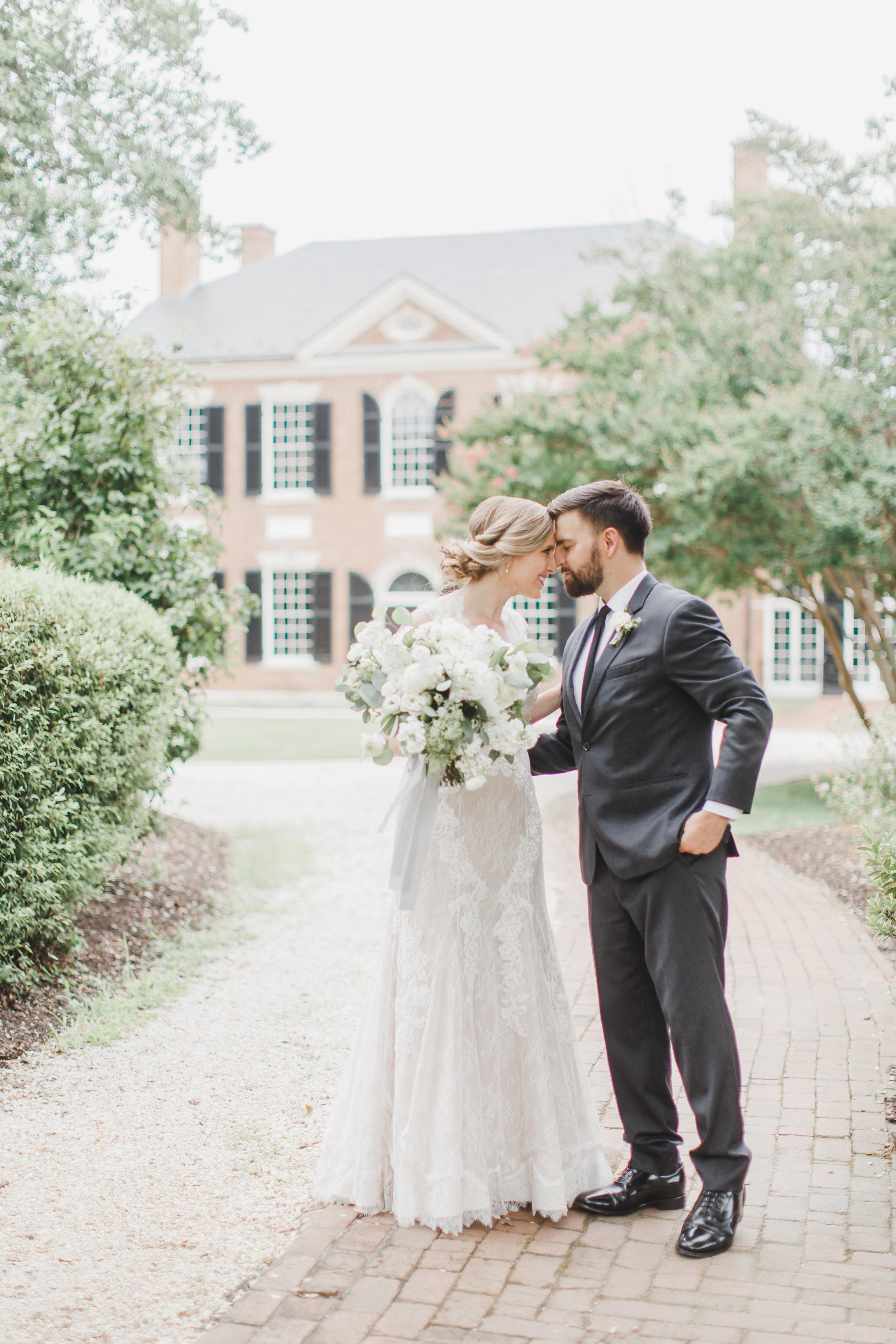 Bride and Groom-0118.jpg