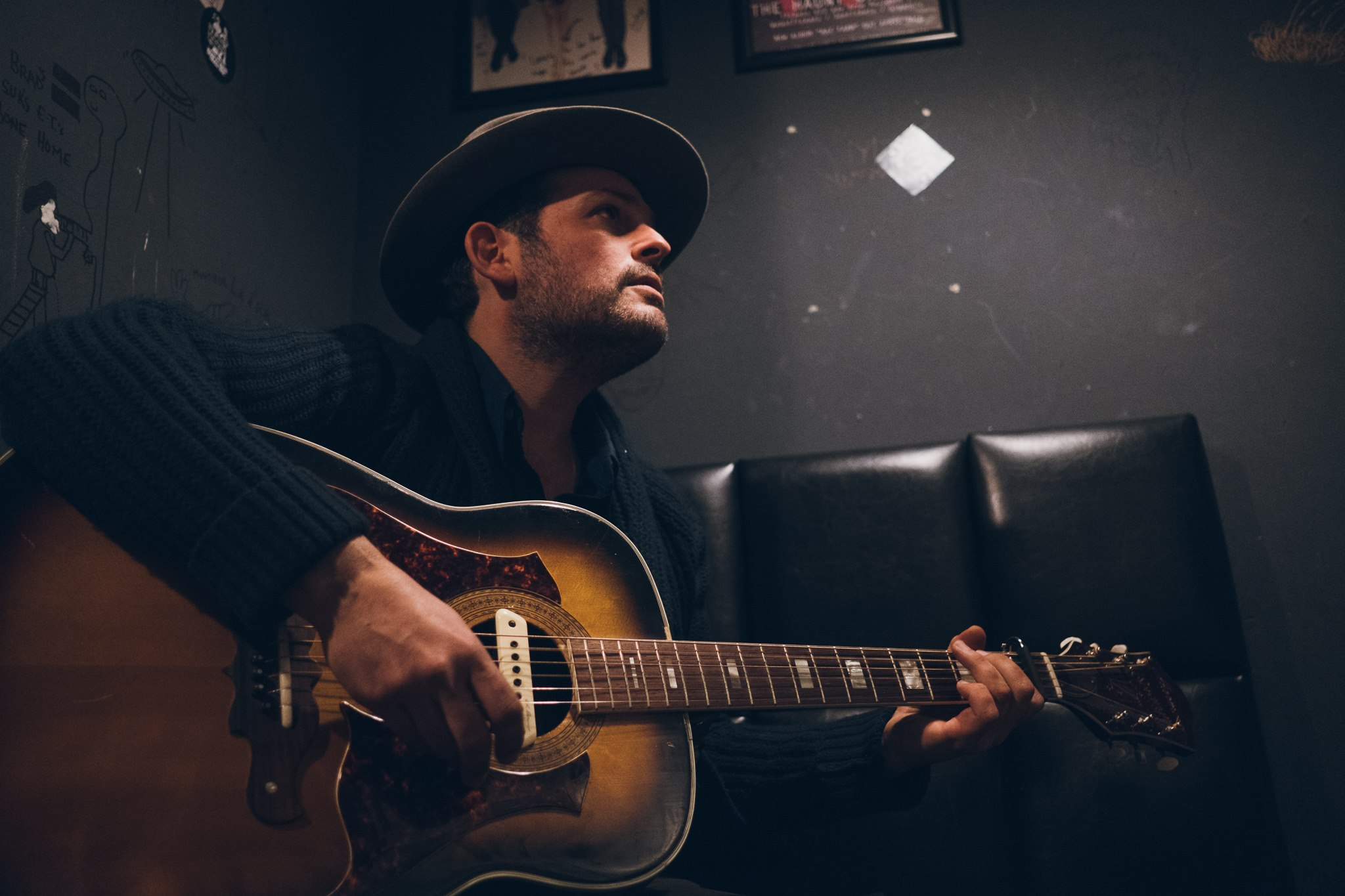 GREGORY ALAN ISAKOV - Boulder, Colorado, USAIndie-Folk, Singer-SongwriterDualtone Music