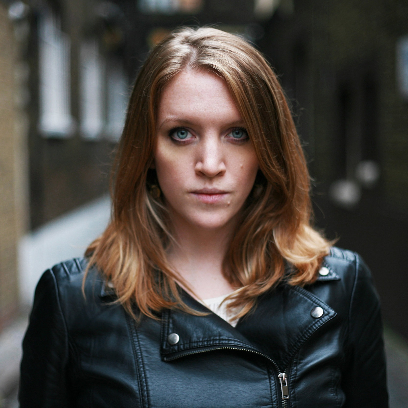 Emma Ballantine (Miyo) - London. UKSinger-Songwriter, FolkShut Up Jo Records