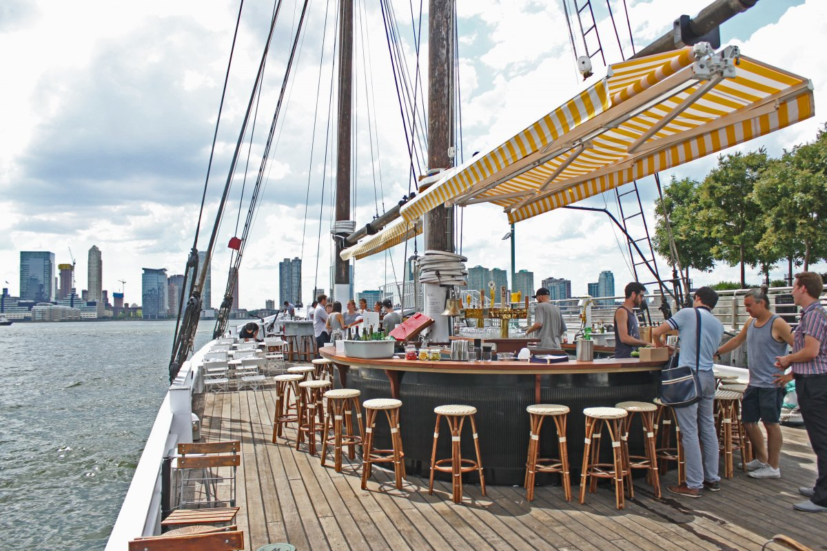 grand-banks-oyster-bar-boat-nyc.jpg