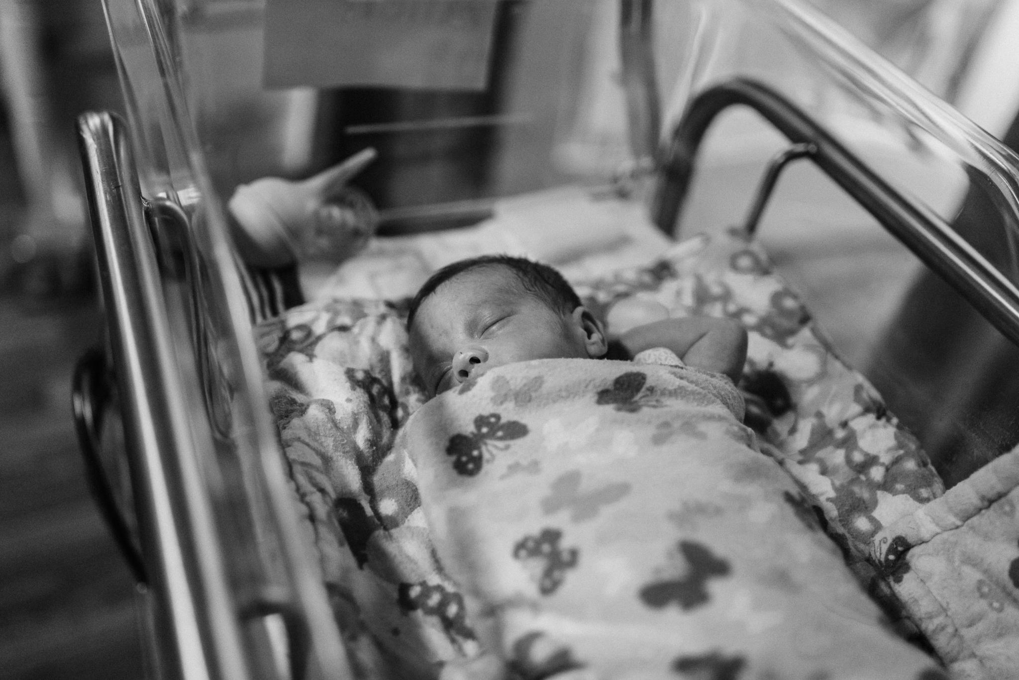 Round Rock Newborn Photographer_Emily Ingalls Photography_ Pflugerville Newborn Photographer_Family Photographer_Round Rock Photographer_Austin Photographer_Pflugerville Photographer_Hutto Photographer-11.jpg