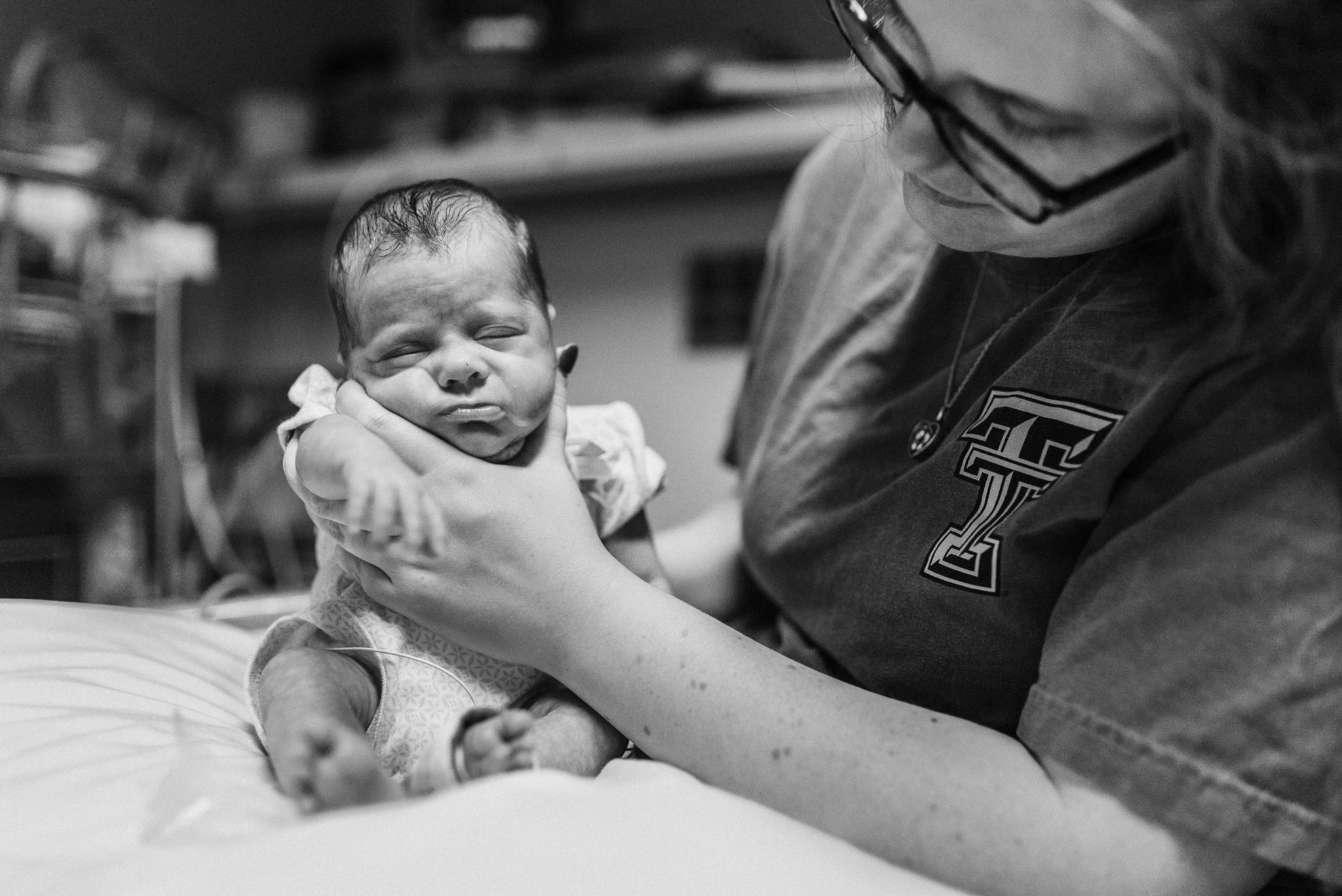 Round Rock Newborn Photographer_Emily Ingalls Photography_ Pflugerville Newborn Photographer_Family Photographer_Round Rock Photographer_Austin Photographer_Pflugerville Photographer_Hutto Photographer-14.jpg