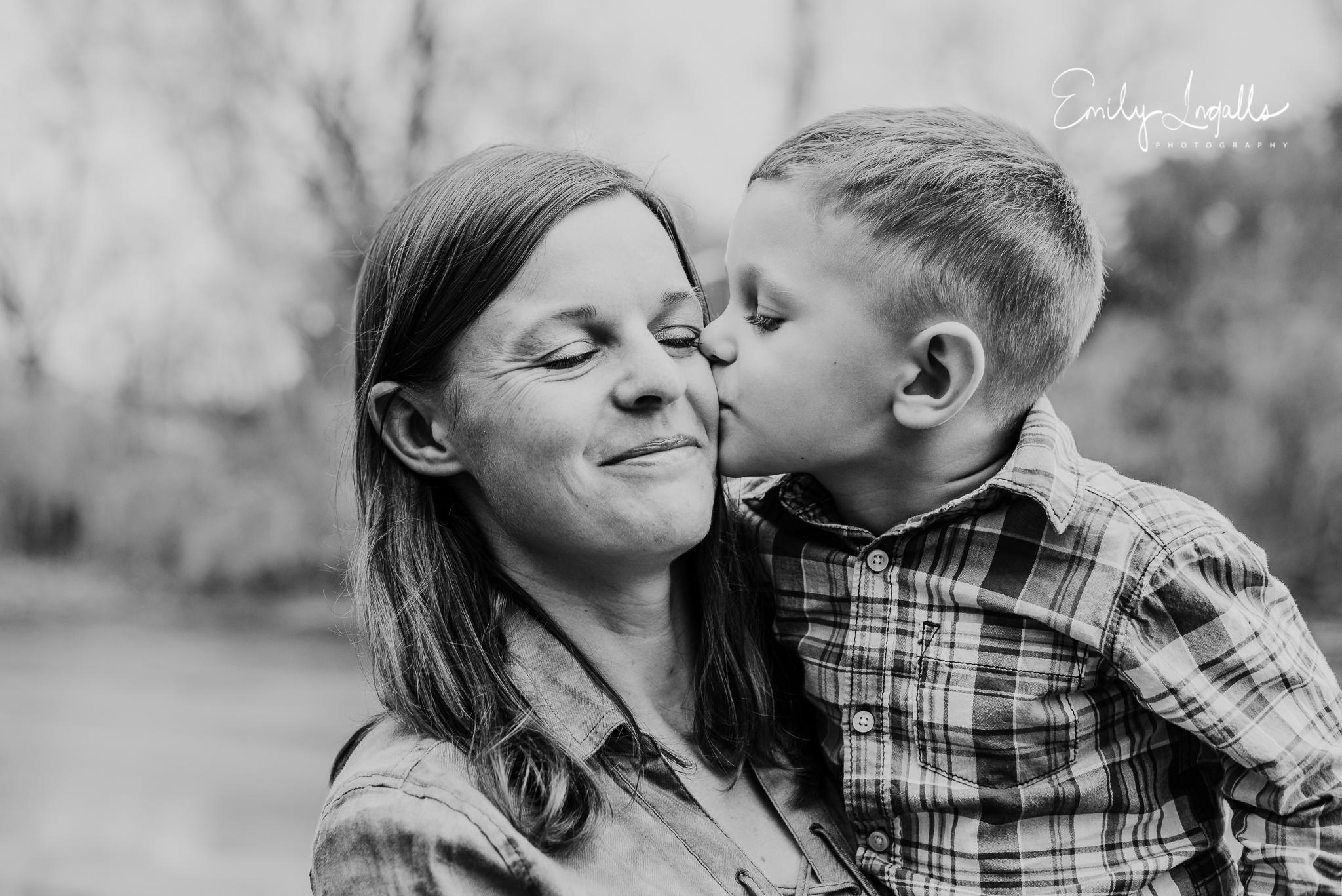 Family Photographer_Round Rock Photographer_Emily Ingalls Photography_Austin Photographer_Pflugerville Photographer_Georgetown Photographer-10.jpg