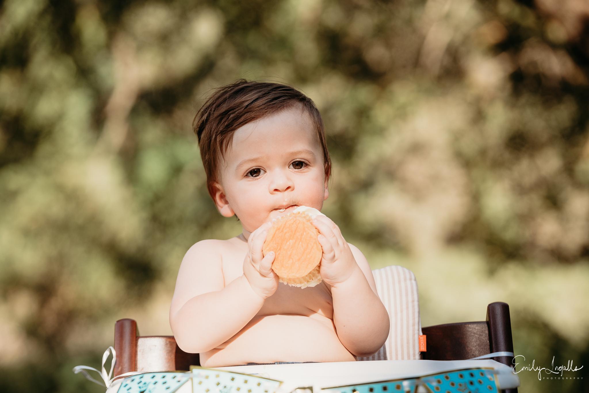 Smash Cake 1st brithday photography-Family Photographer_Round Rock Photographer_Emily Ingalls Photography_Austin Photographer_Pflugerville Photographer_Georgetown Photographer-4.jpg