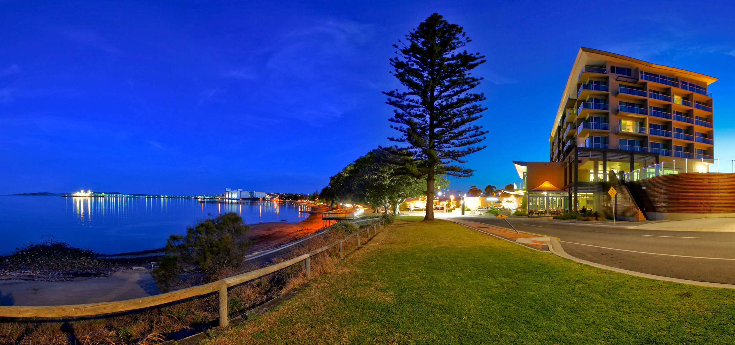 Dusk at the Port Lincoln Hotel - Photograph supplied by Port Lincoln Hotel.jpg